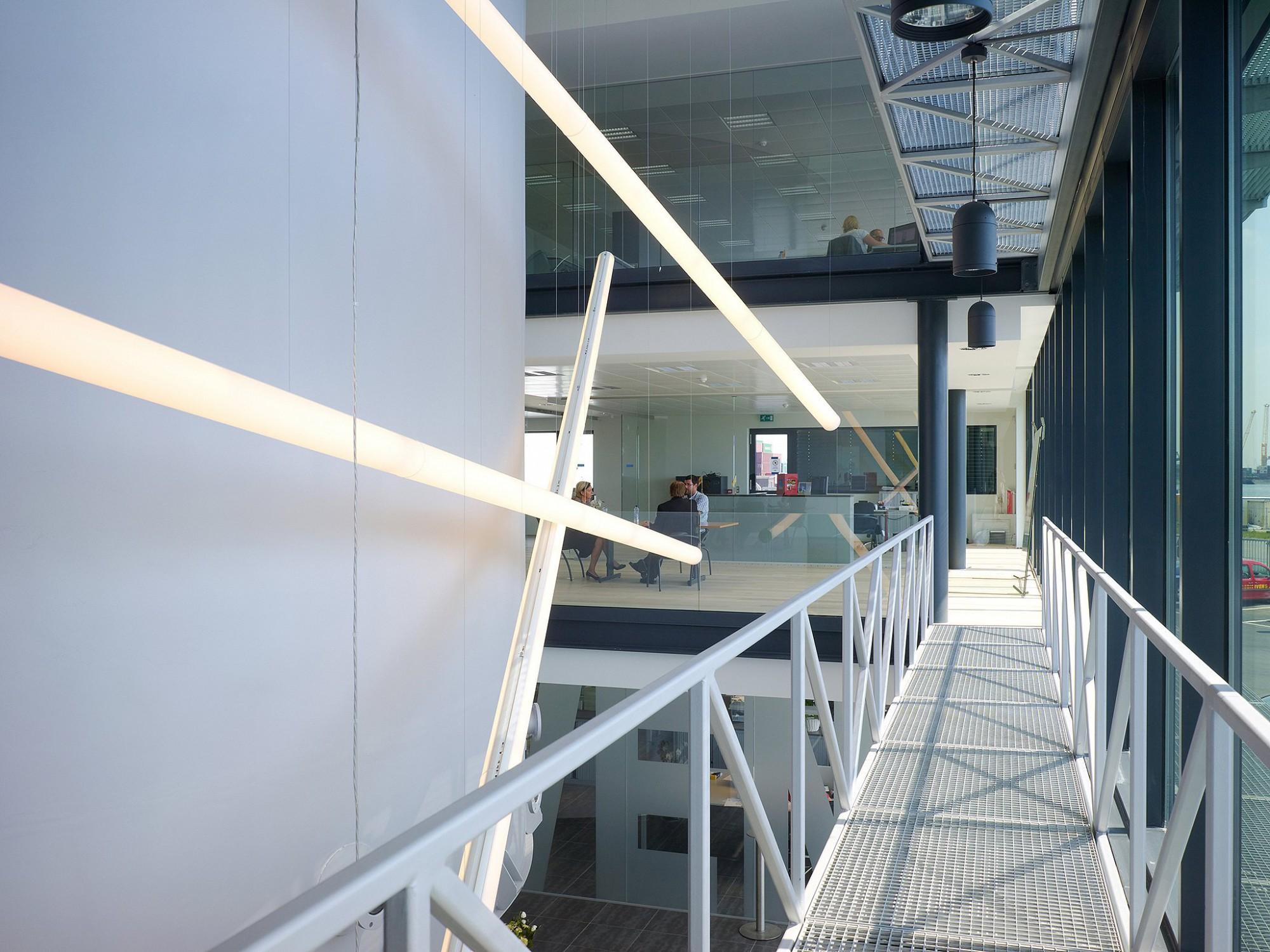 Afbeelding: Interieurfotografie-bedrijfsreportages, kantoor Ivens haven Antwerpen, interieurfotografie Foto Van Huffel.
