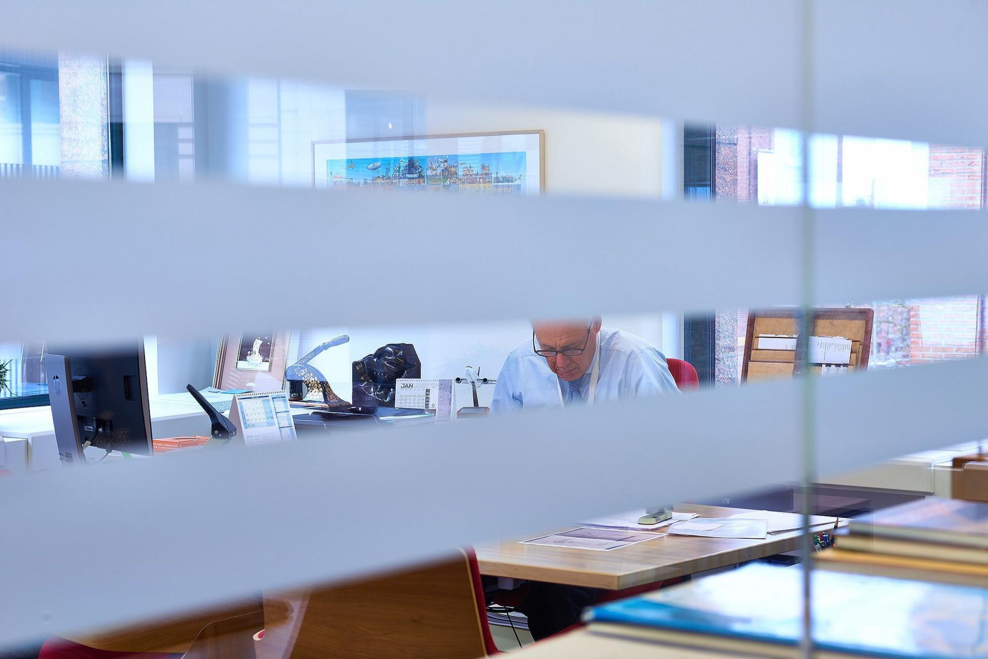 Afbeelding: Bedrijfs reportage , kantoorgebouw activiteiten, voor CMB