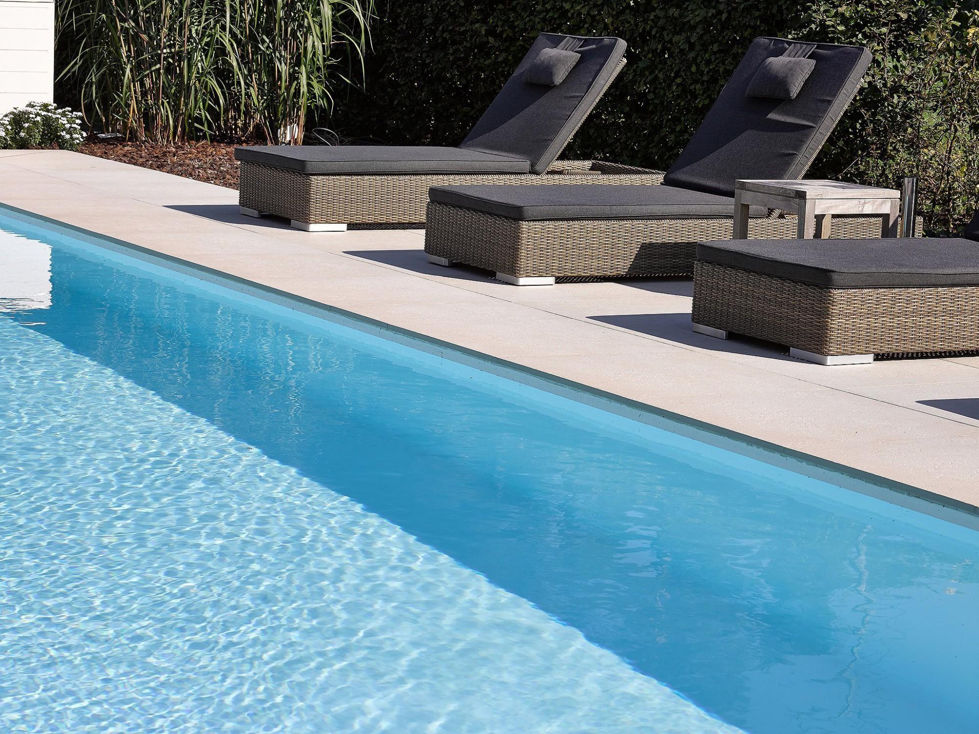 Afbeelding: Fotografie zwembad te Lichtaard voor © Relaxzwembaden.
