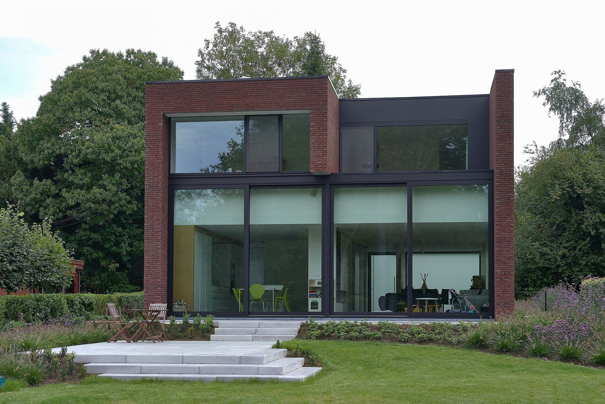 Afbeelding: Architectuur fotografie, moderne woning met terras, voor Stone&Style.