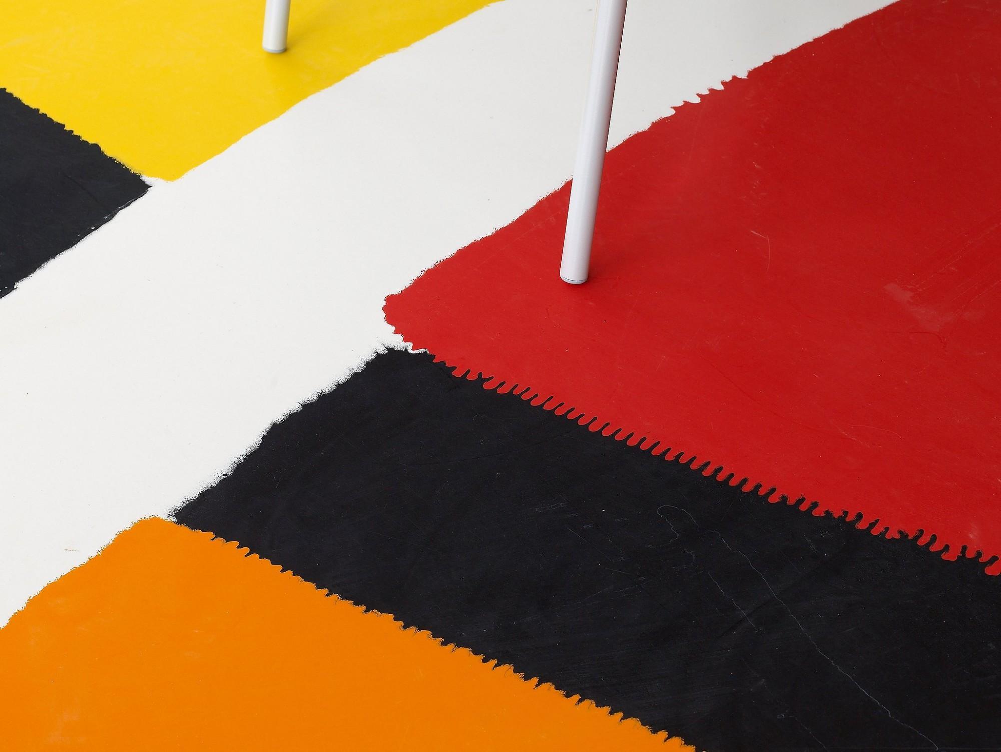 Afbeelding: Interieur fotografie product op locatie, decoratieve industriële vloer in bedrijfsrefter te Evere.