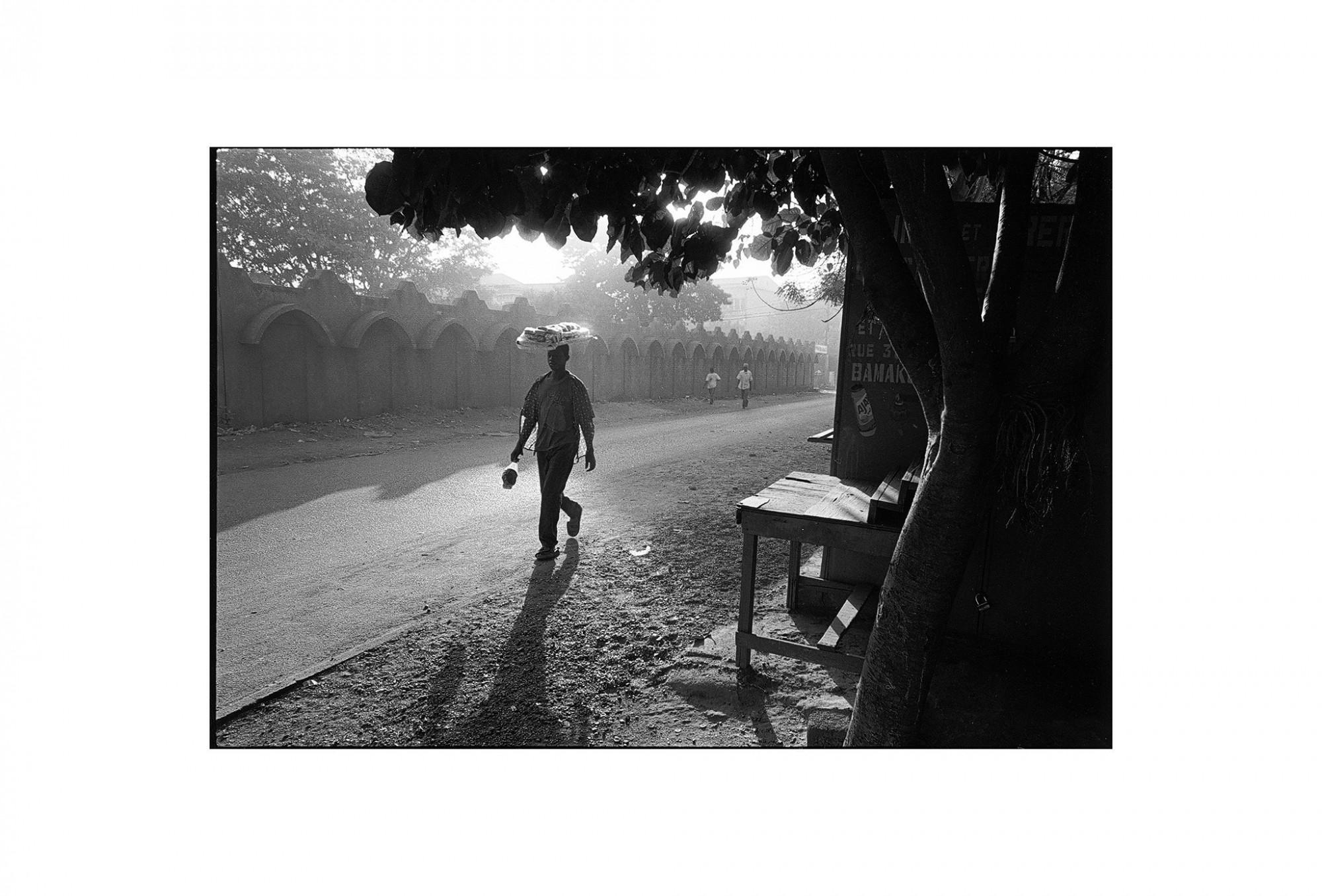 Afbeelding: Fotografie - Art, uit de reeks : De kleur van zwart. Mali, 98-01-16, © Dominique Van Huffel.