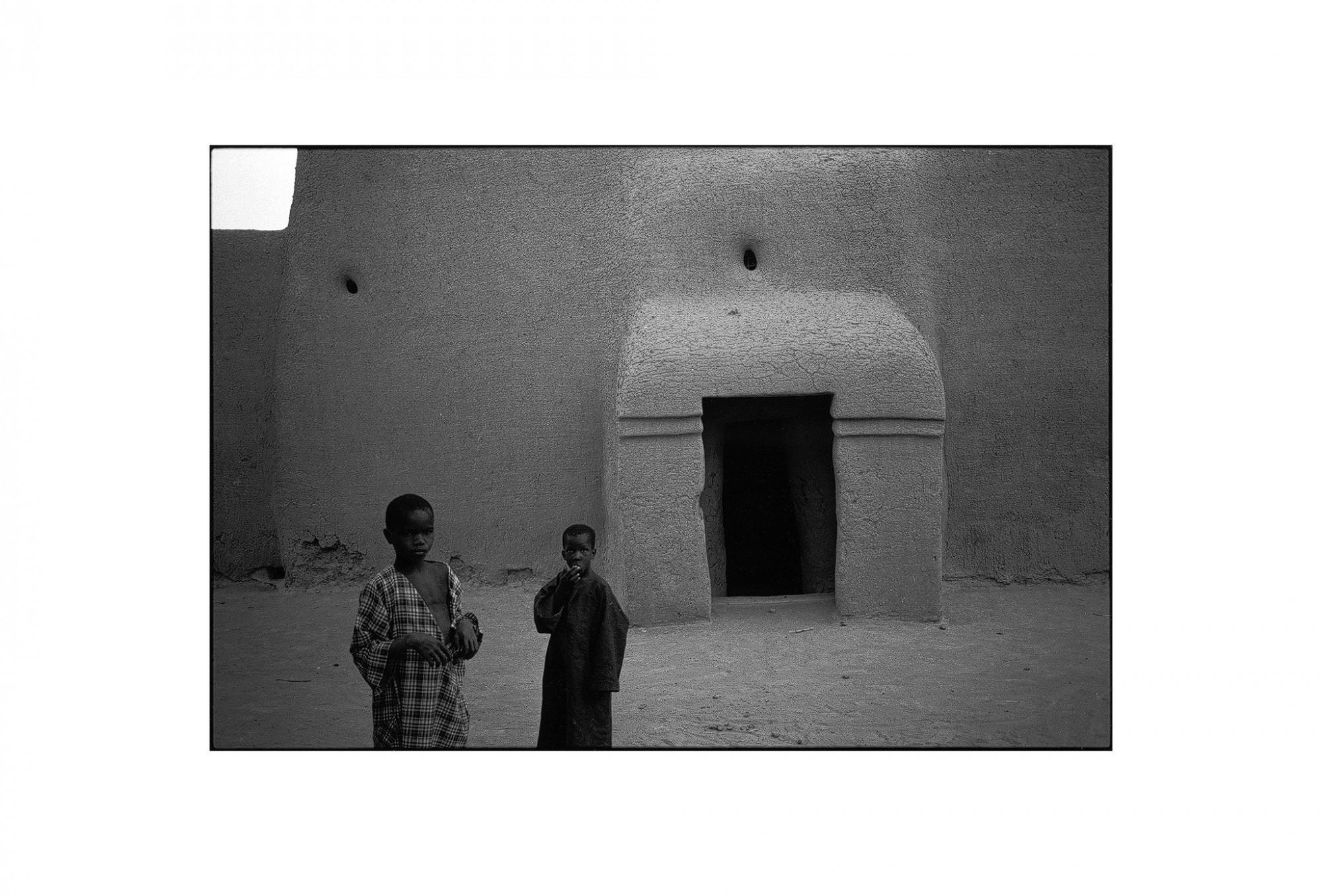 Afbeelding: Fotografie - Art, uit de reeks : De kleur van zwart. Mali, 98-13-35, © Dominique Van Huffel.