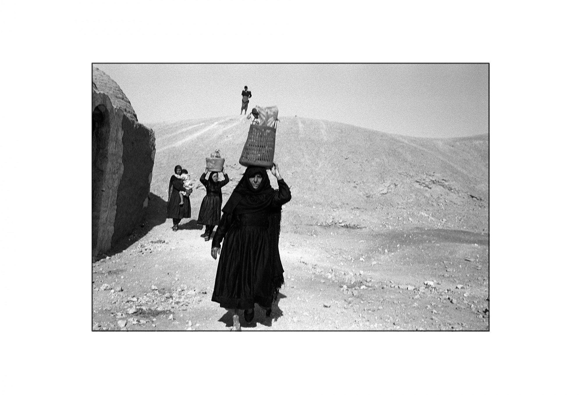 Afbeelding: Fotografie - Art, uit de reeks : De kleur van zwart. Egypte, 93-19-15,, © Dominique Van Huffel.