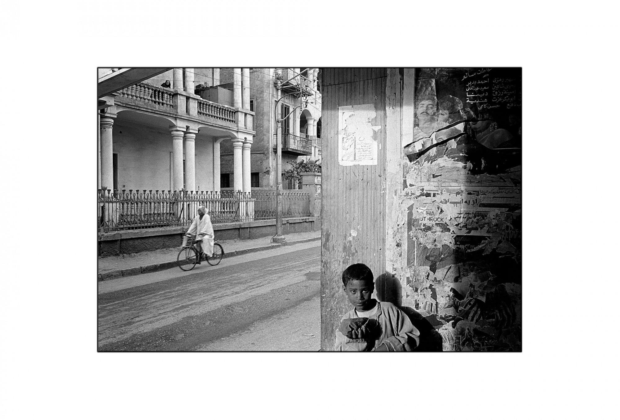 Afbeelding: Fotografie - Art, uit de reeks : De kleur van zwart. Egypte, 93-05-35, © Dominique Van Huffel.