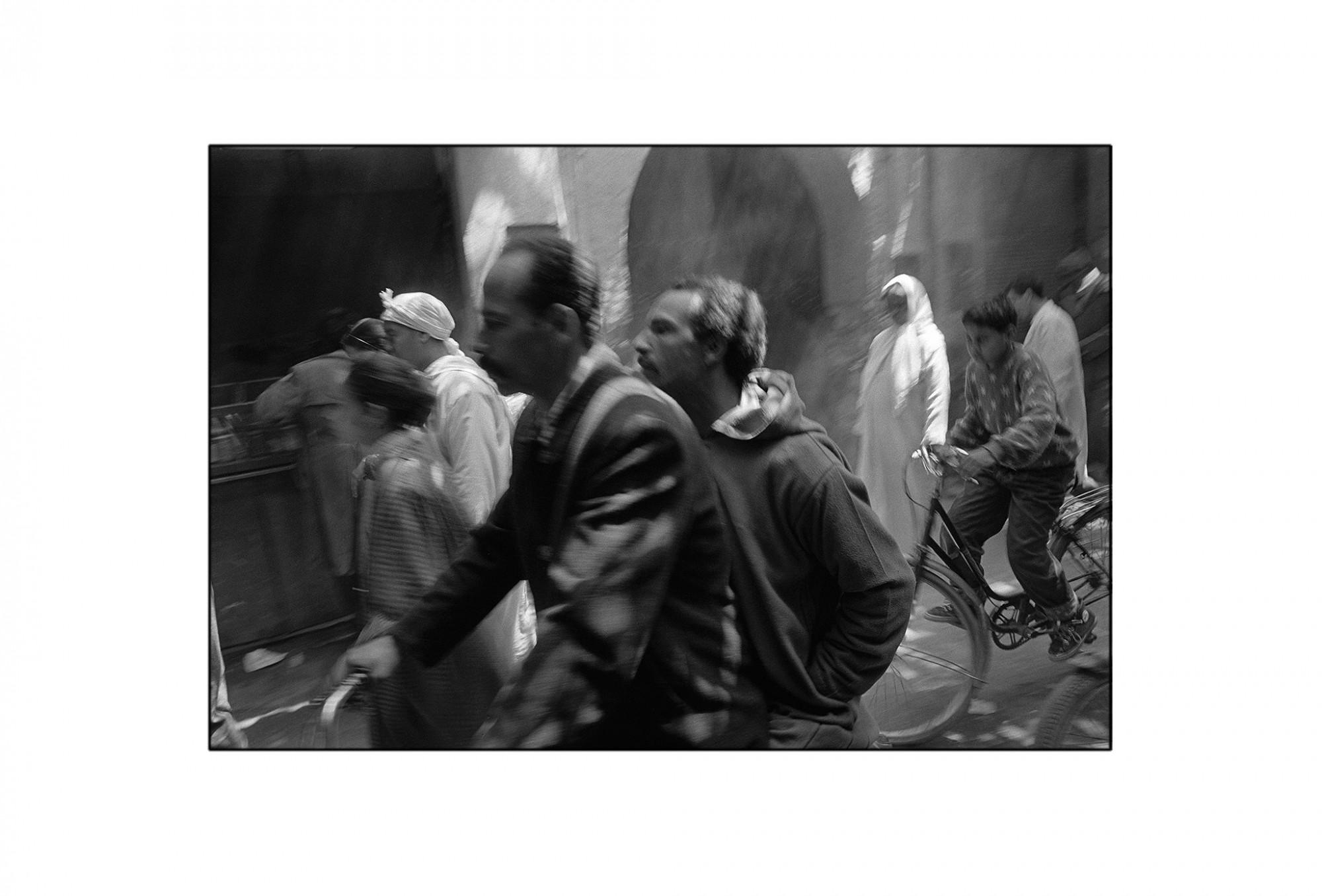 Afbeelding: Fotografie - Art, uit de reeks : De kleur van zwart. Marokko, 92-04-35,, © Dominique Van Huffel.