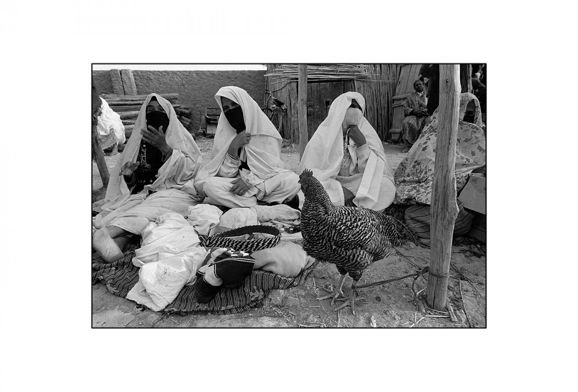 Afbeelding: Fotografie - Art, uit de reeks : De kleur van zwart. Marokko, 92-18-05,© Dominique Van Huffel.