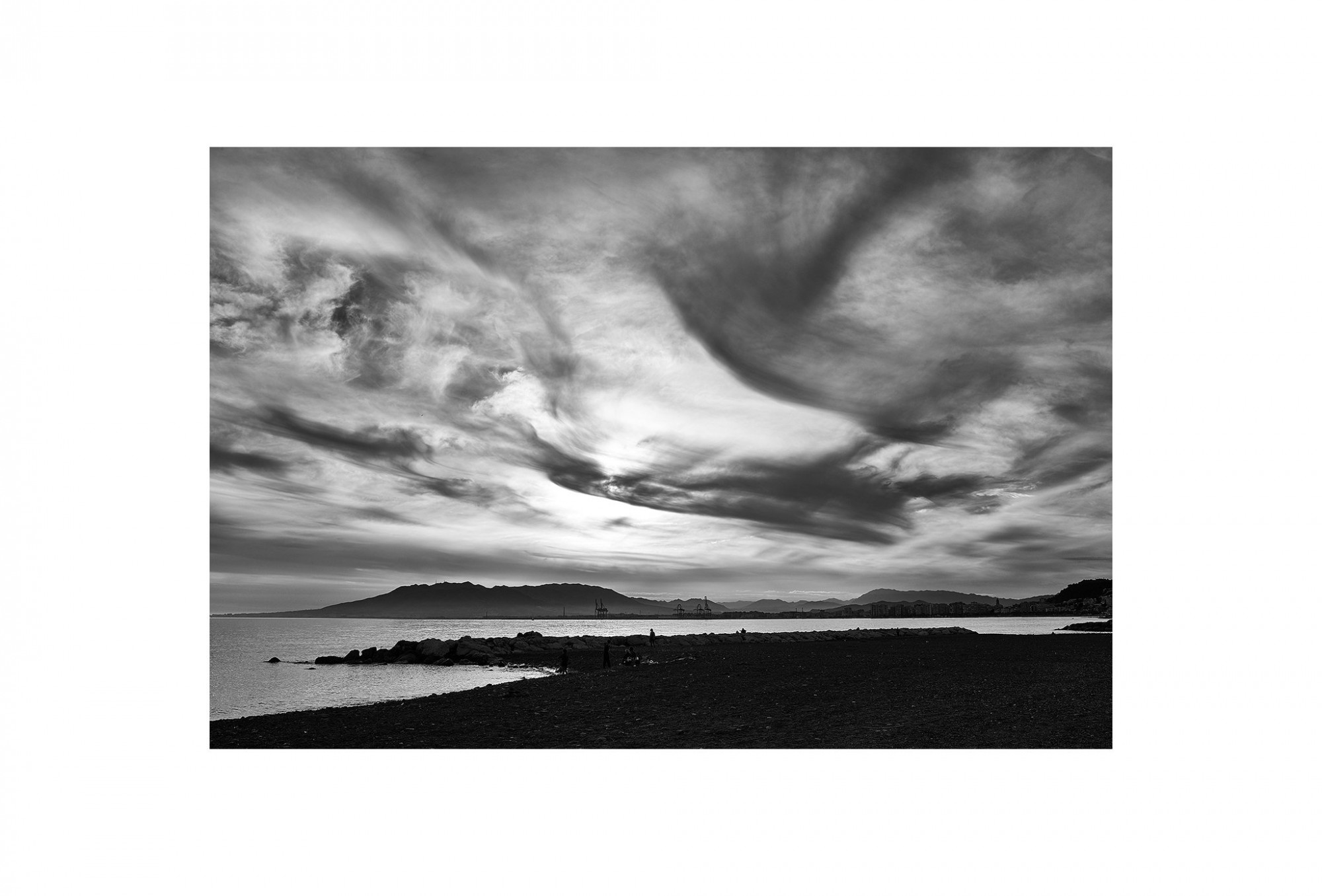 Afbeelding: © Dominique Van Huffel landscape Spain, Malaga, foto kunst zwart wit, landschapsfotografie.