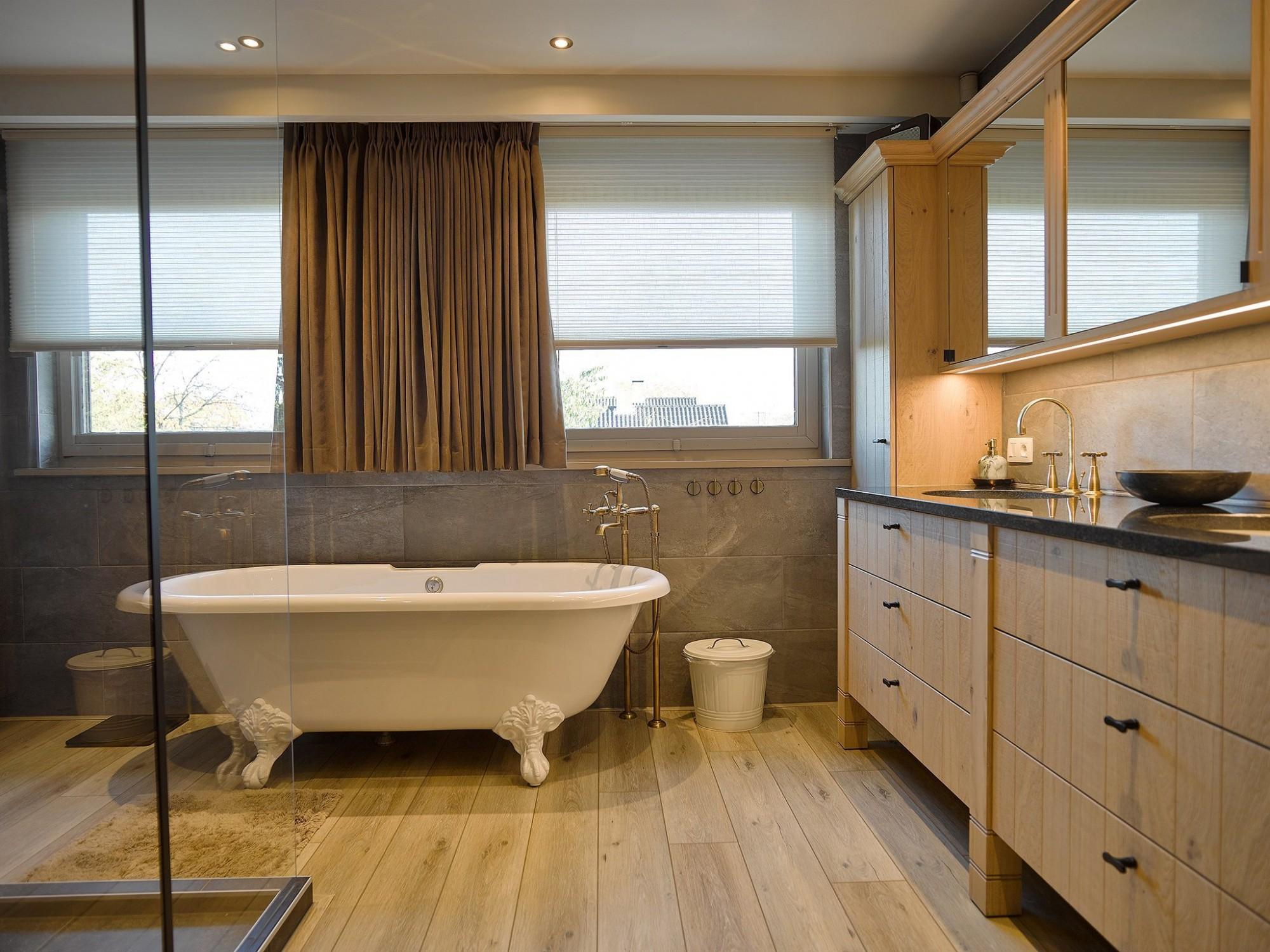 Afbeelding: Interieur fotografie badkamer renovatie voor Krijnen, foto Van Huffel