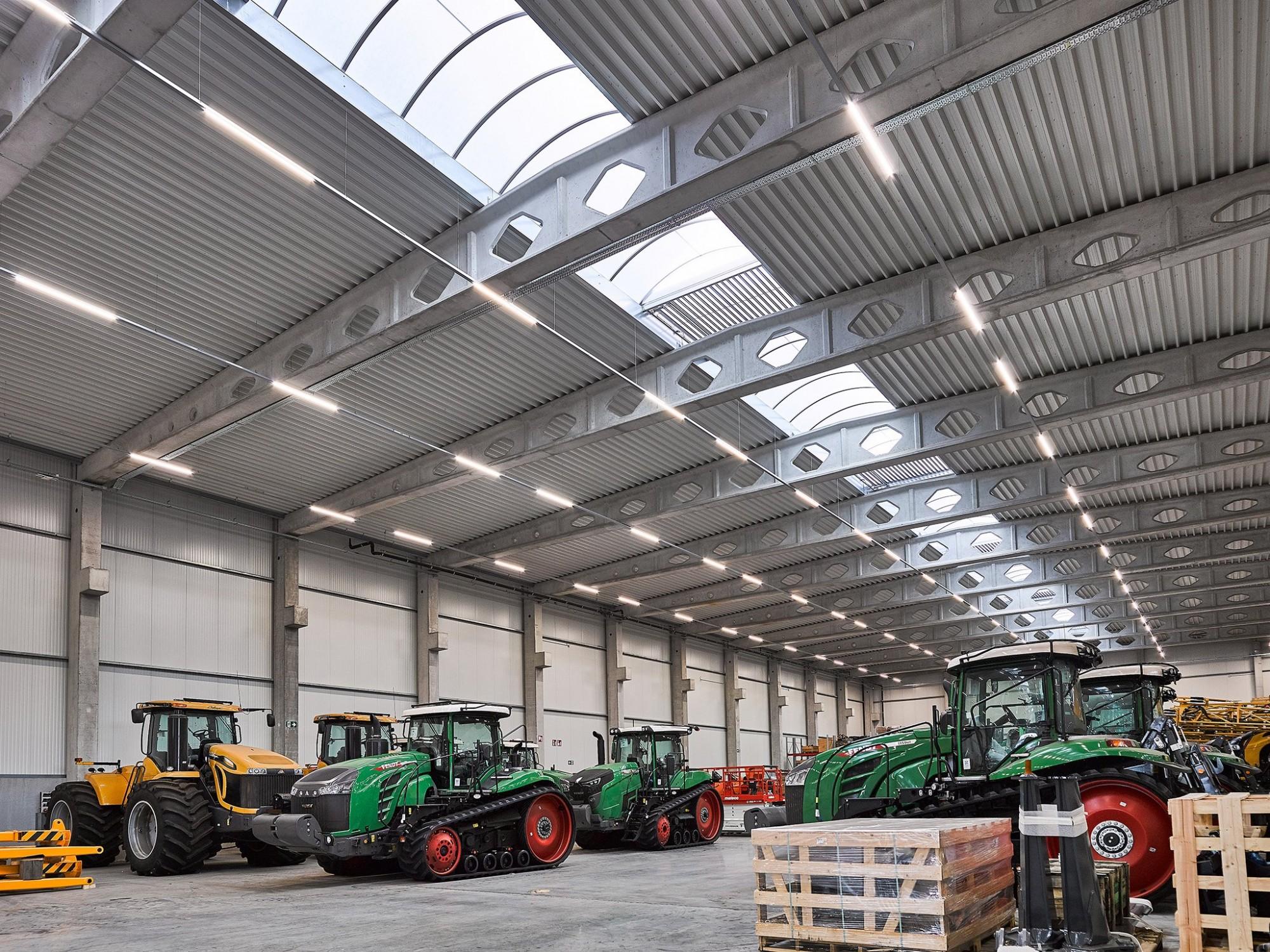 Afbeelding: Fotografie industriebouw interieur Aertssen, voor © mertens architecten, foto Van Huffel.