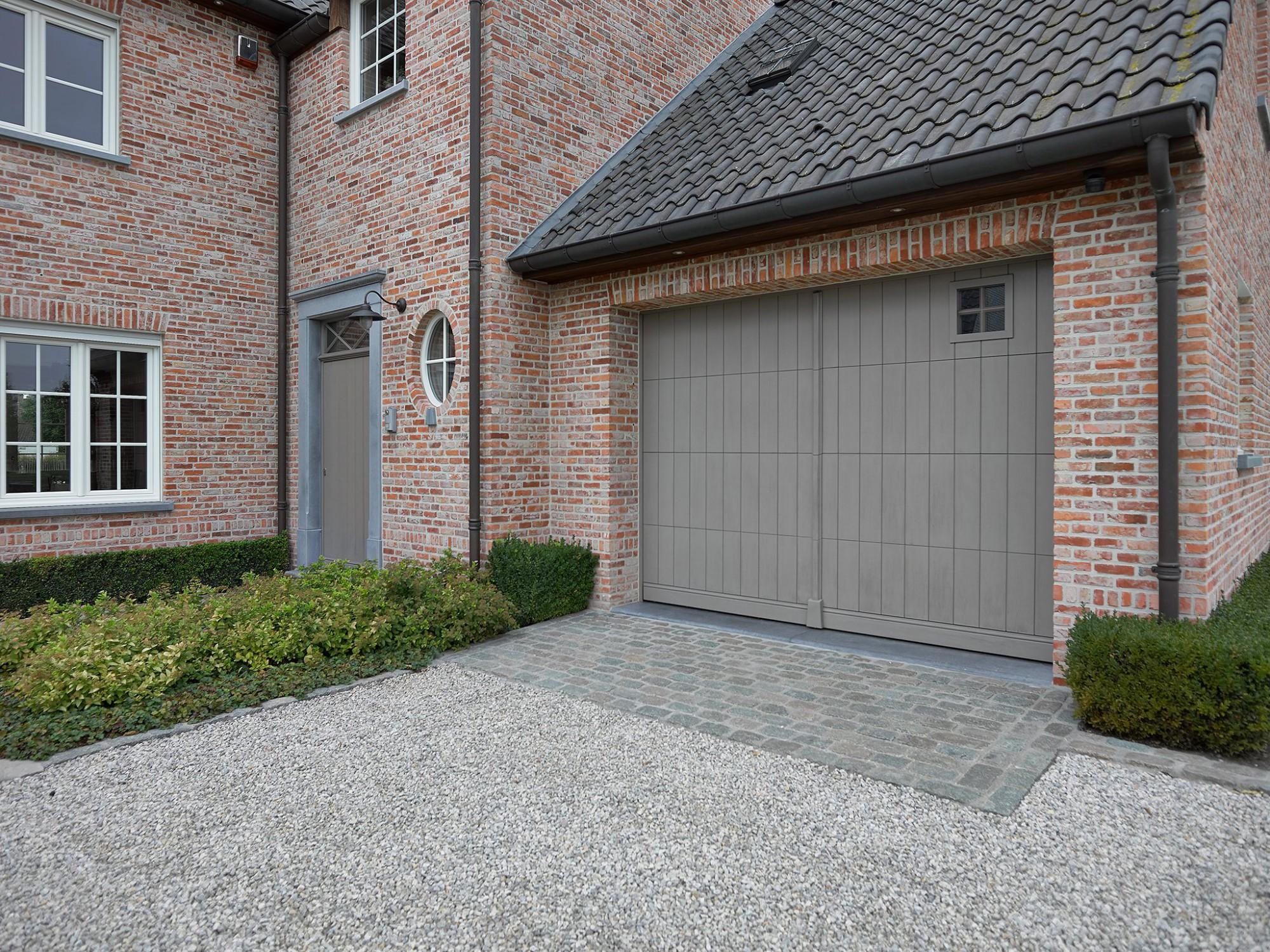 Afbeelding: Productfotografie garagepoorten voor Hörmann Belgium.