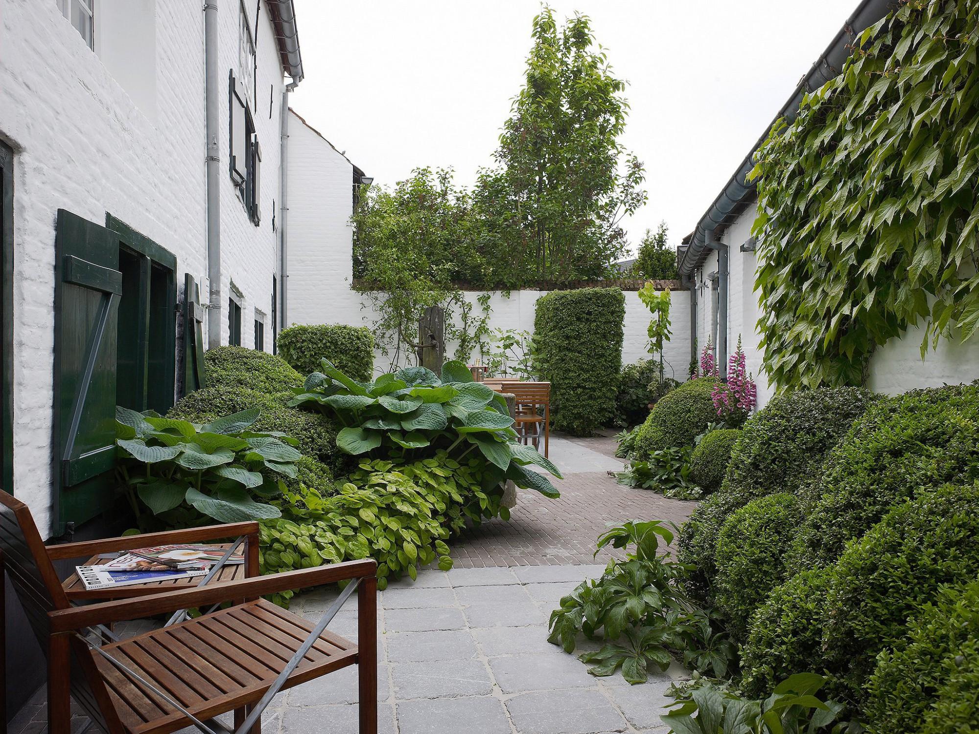 Afbeelding: Fotografie binnentuin Begijnhof, voor Archi Verde, foto Van Huffel.