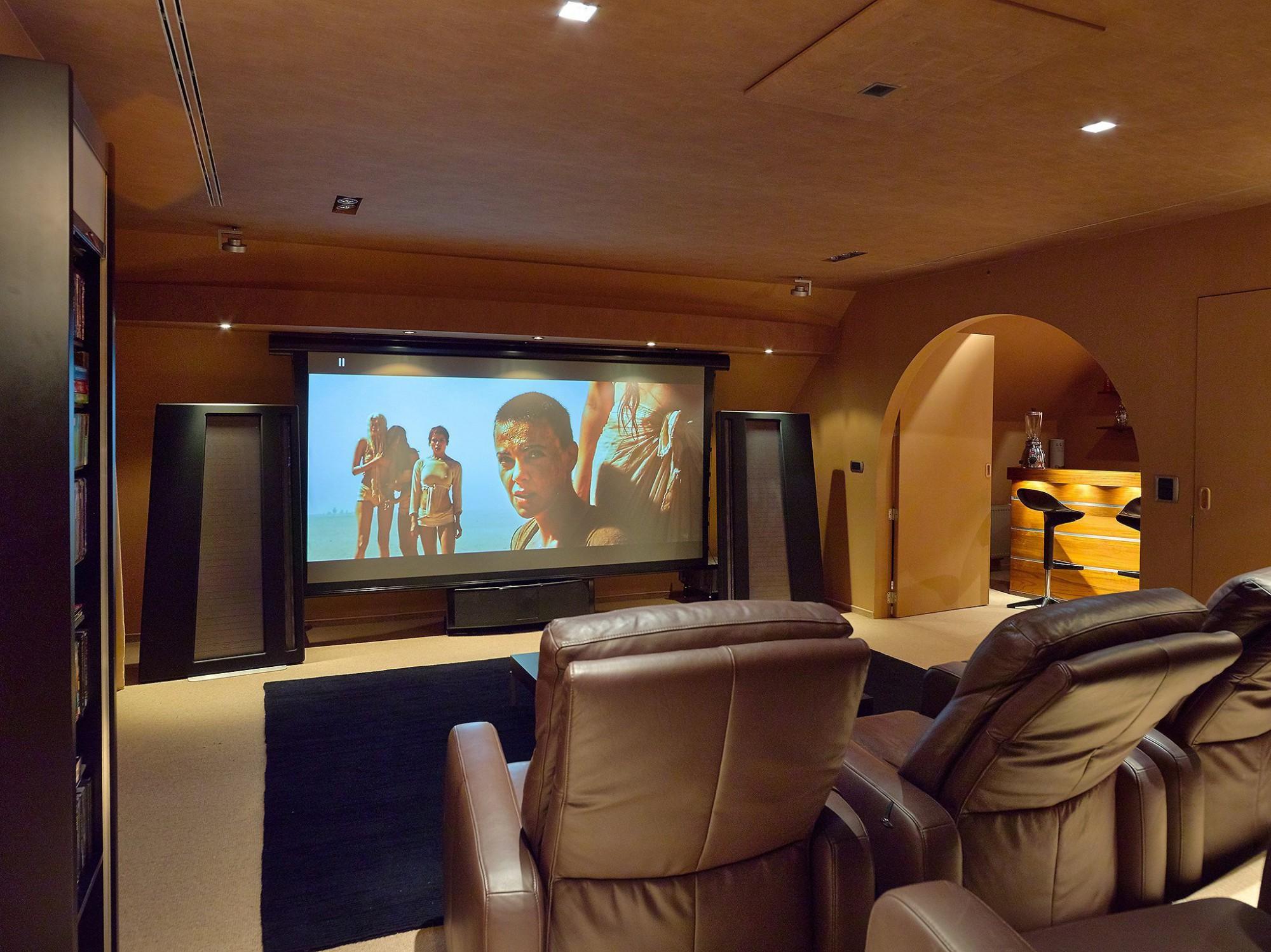 Afbeelding: Fotografie interieur van een home cinema te Slijpe voor © Cinedream.