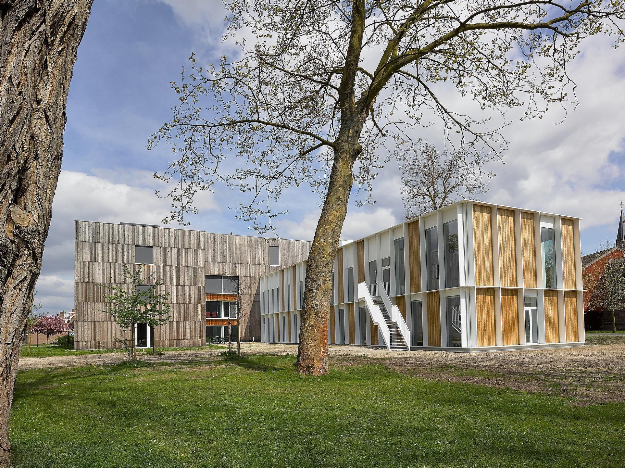 Afbeelding: Architectuur fotografie Foto Van Huffel, Emmaus Duffel, voor atelier M Architects + Planners.