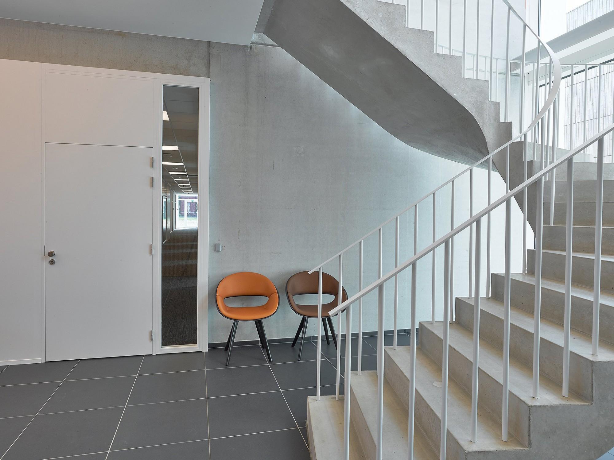Afbeelding: Fotografie detail zorgcentra Emmaus te Duffel, voor atelier M Architects + Planners.