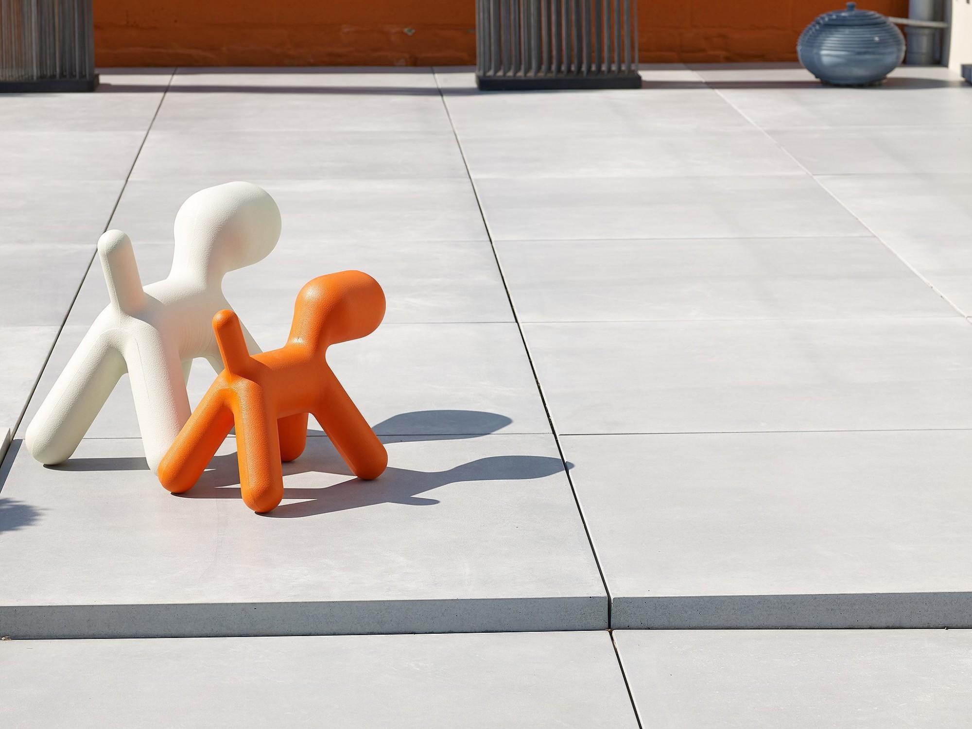 Afbeelding: Product fotografie op locatie van beton producten, megategels, fotografie voor Stone & Style.