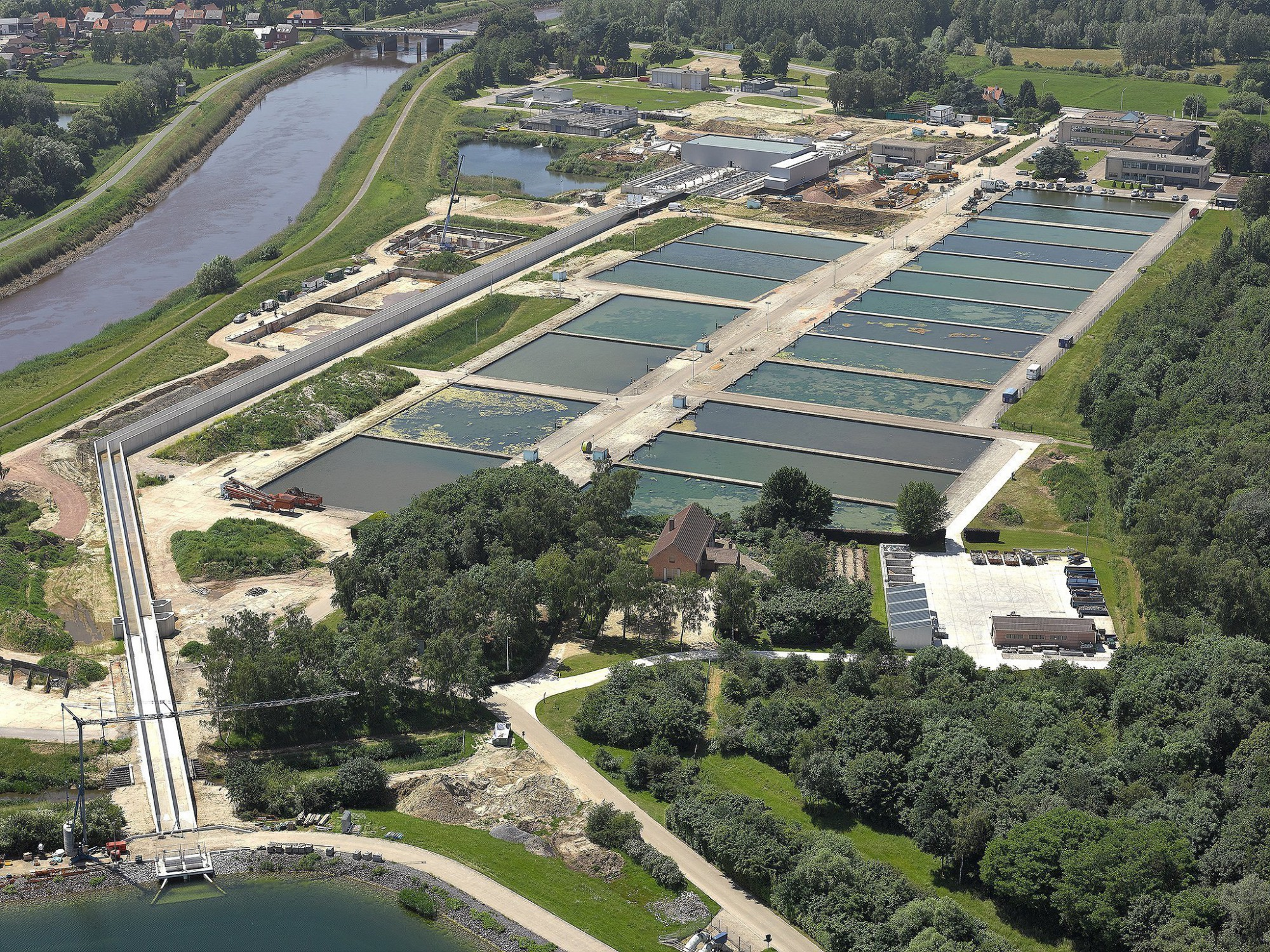 Afbeelding: Luchtfotografie, infrastructuurwerken, aanleg nieuwe watercentrale Waterlink te Rumst, voor Mourik.