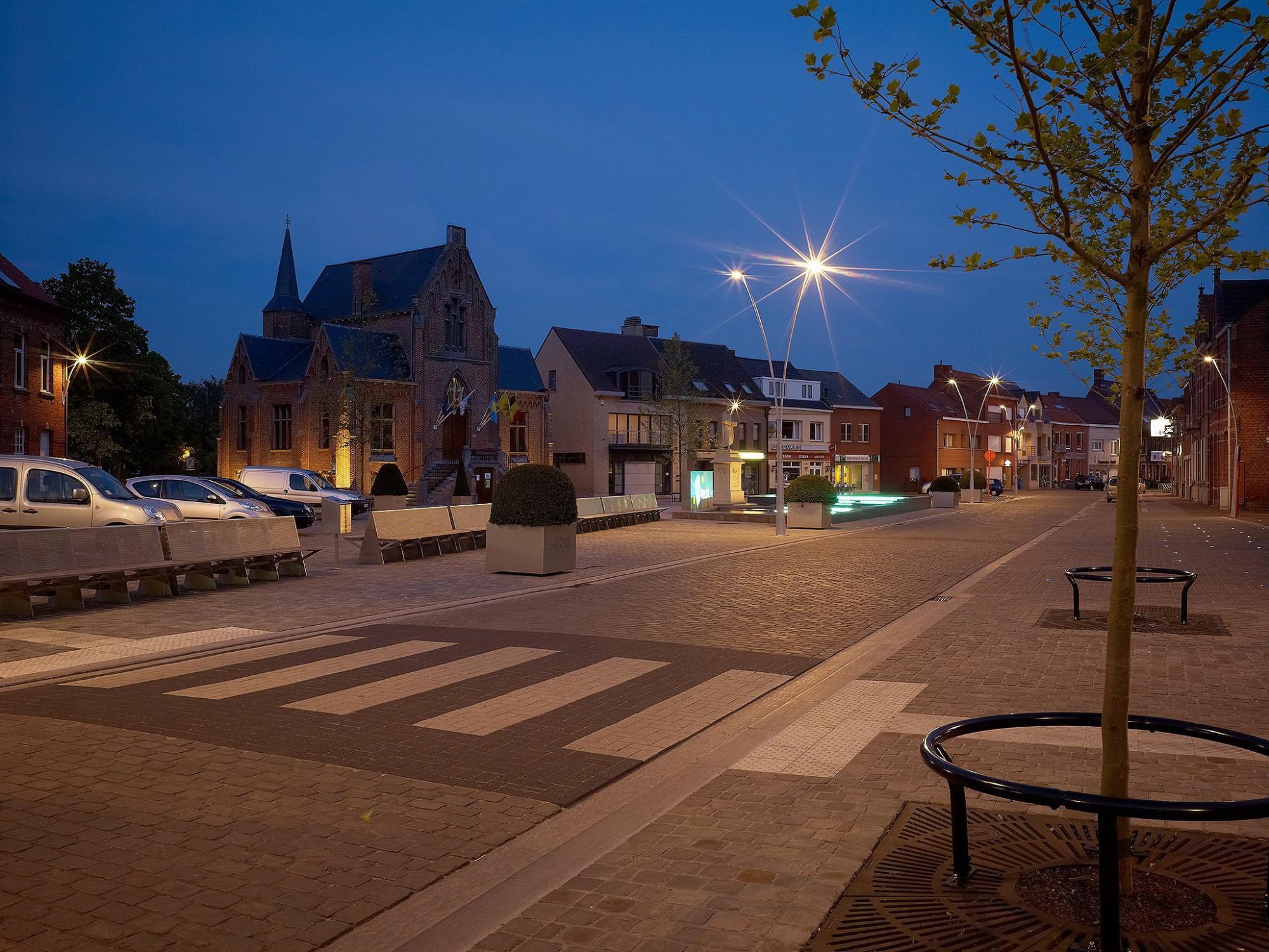 Afbeelding: Heraanleg dorpscentrum Brecht, door Adams Merksplas, landschapsfotografie foto Van Huffel.