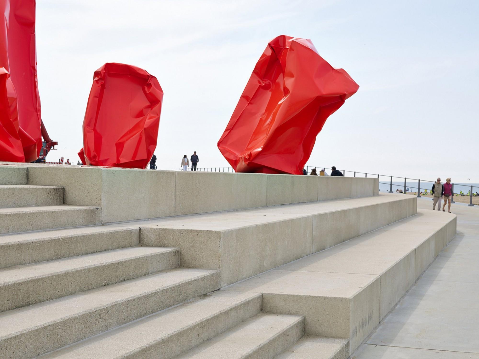 Afbeelding: Product fotografie op locatie, betonmaterialen en tegels voor infrastructuur en aanleg, Zeeheldenplein te  Oostende, fotografie voor Urban Style.