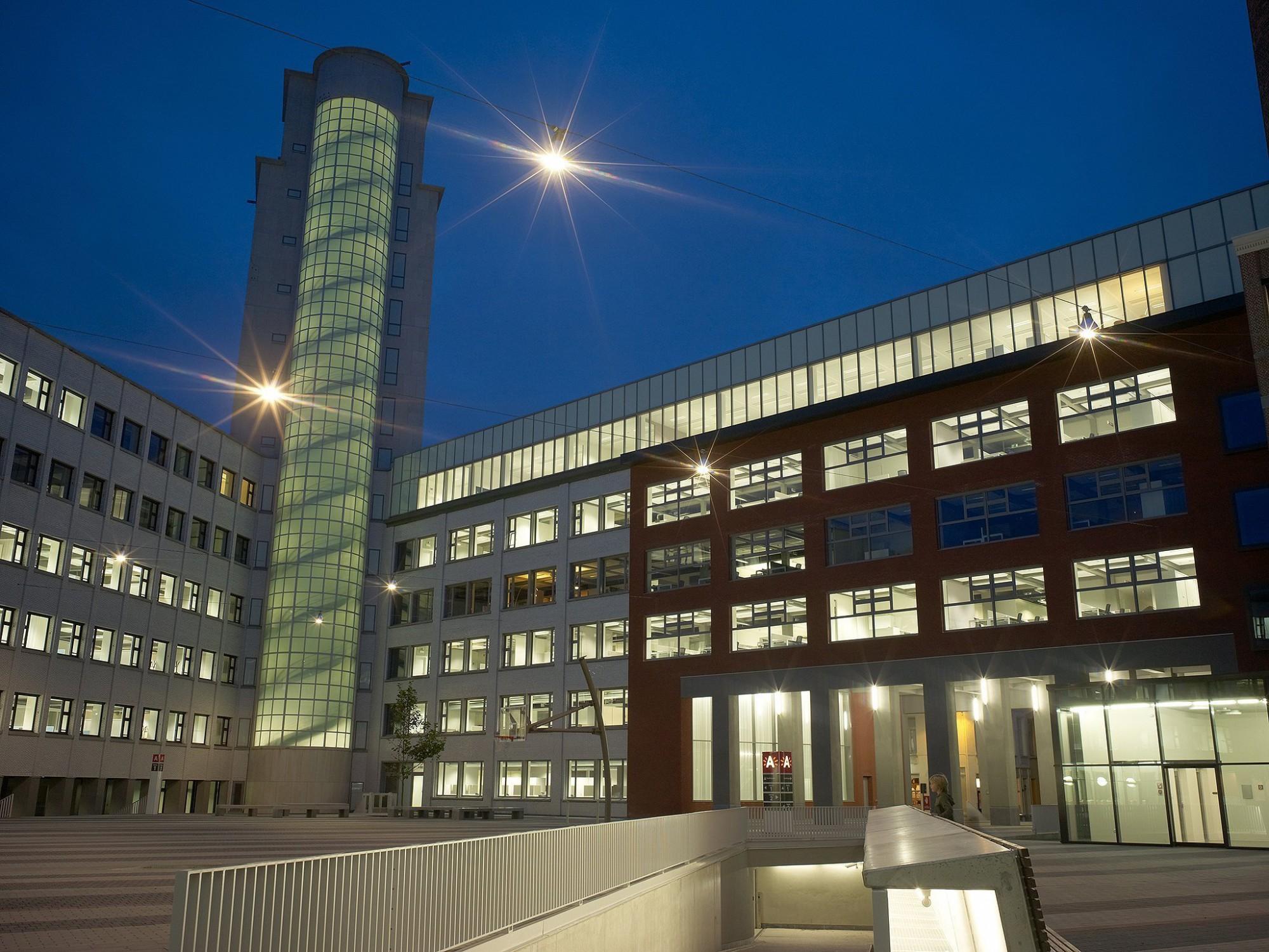 Afbeelding: Architectuur fotografie, kantoorgebouw voor stad Antwerpen, voor groep Van Roey.