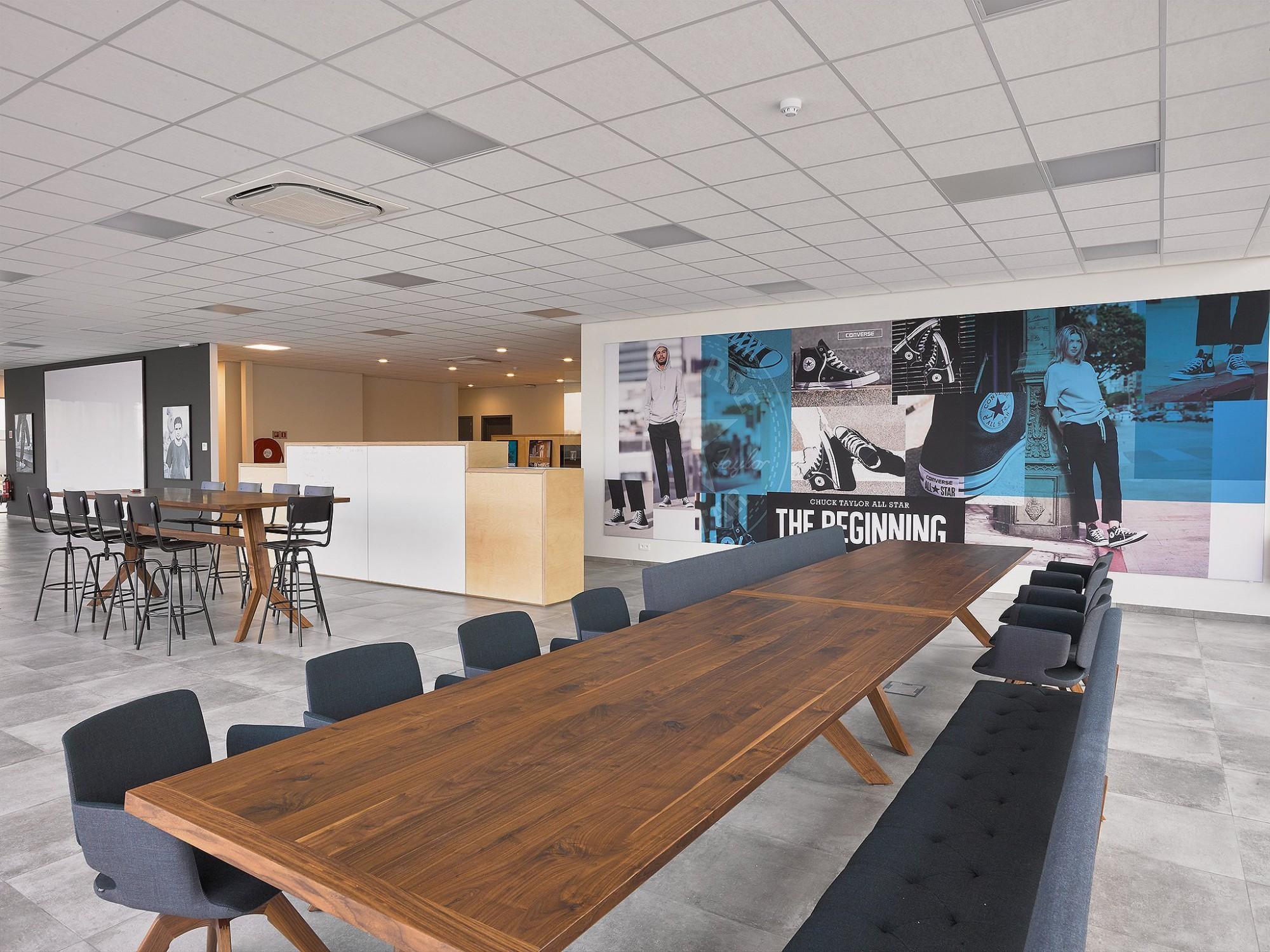 Afbeelding: Interieur fotografie kantoor te Grobbendonk voor de groep Heylen.