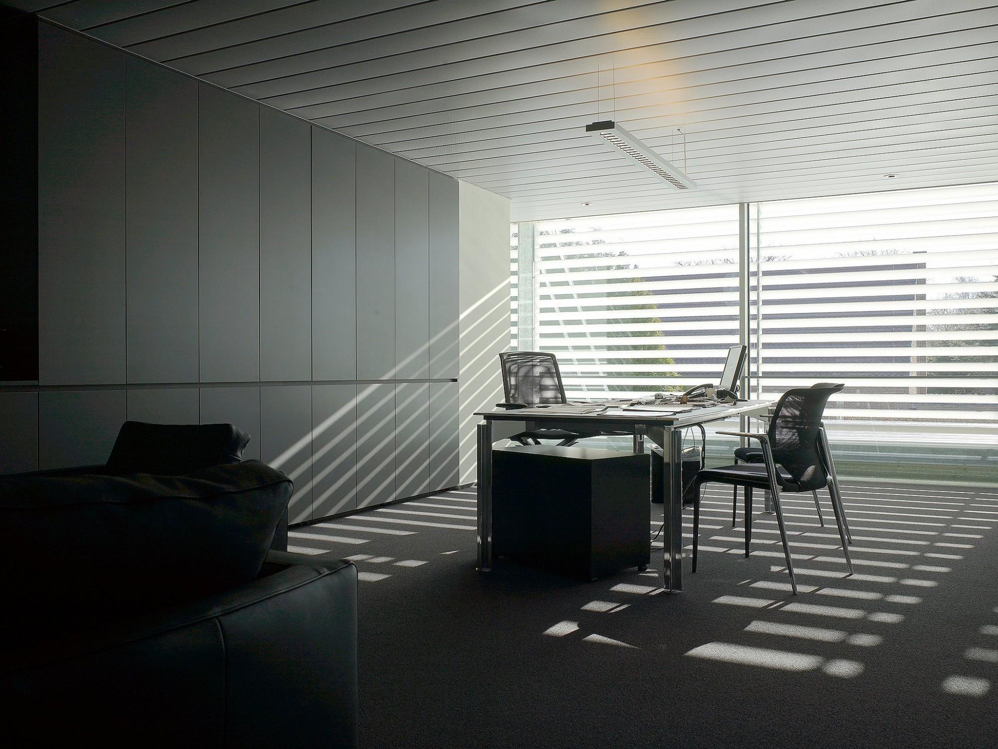 Afbeelding: Interieur fotografie bureau, garage Kalmthout, voor bouwbedrijf Menbo.