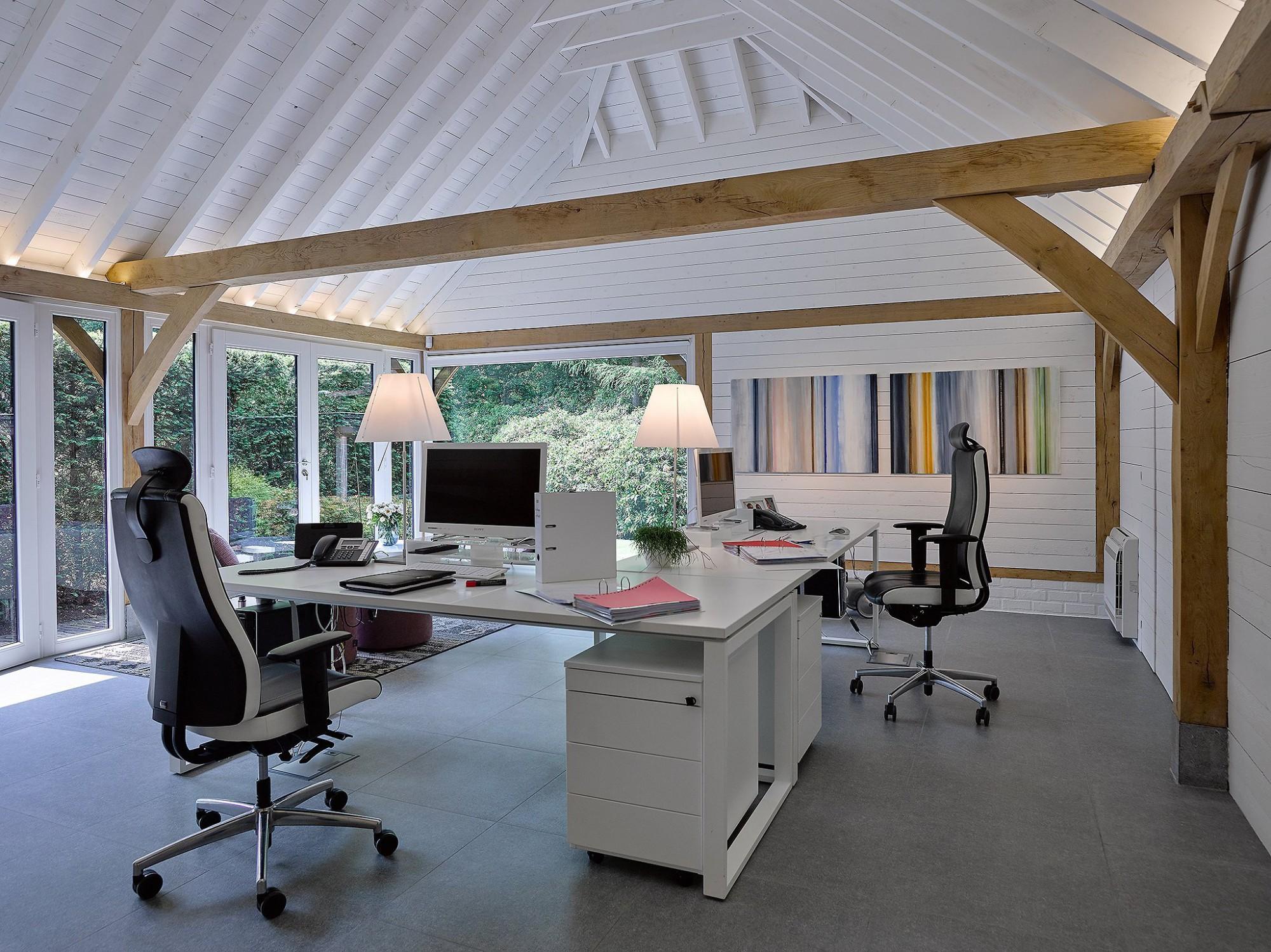 Afbeelding: Interieur fotografie kantoor te Schoten voor © Heritage Buildings.