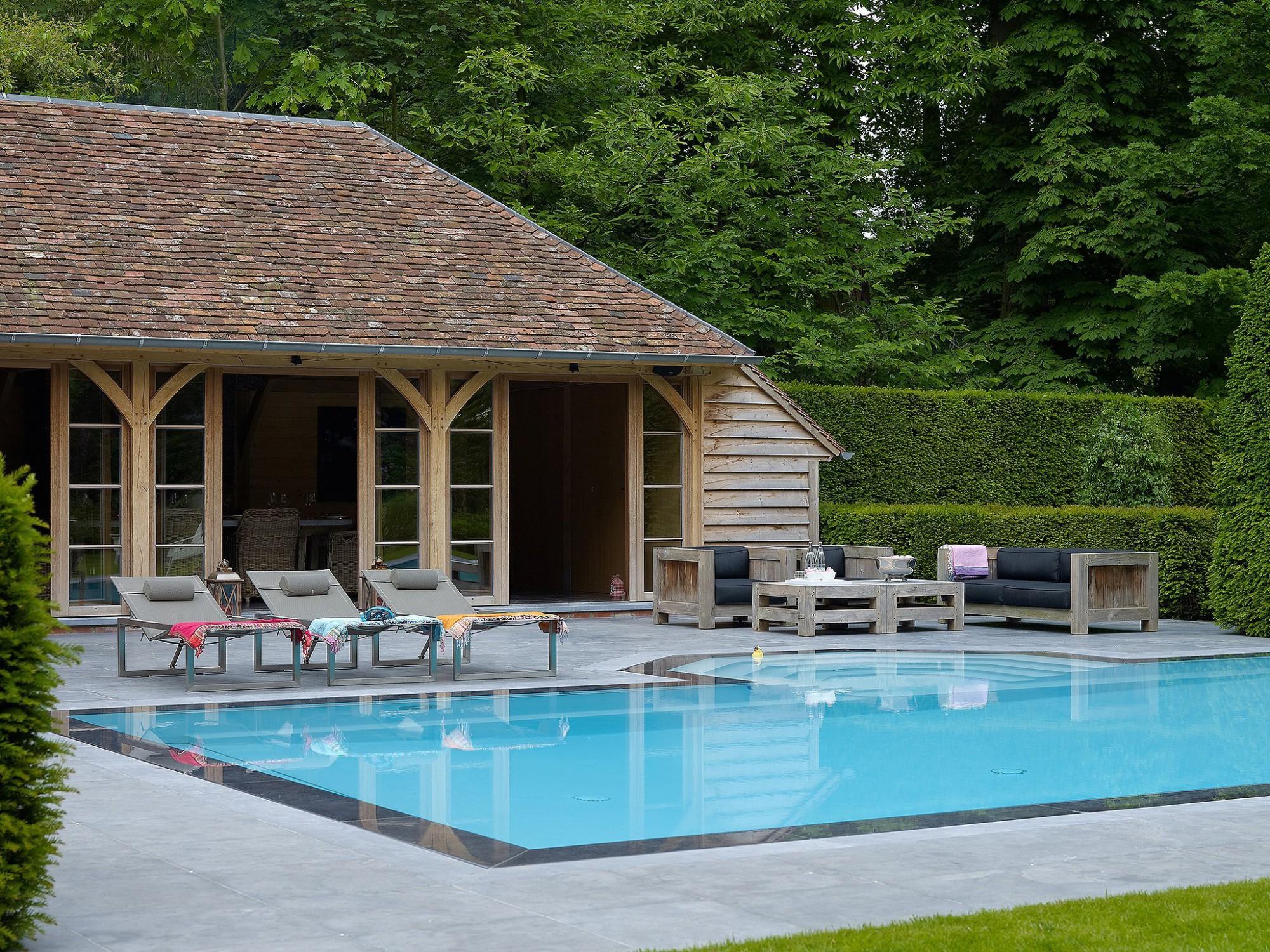Afbeelding: Fotografie poolhouse en zwembad te Kapellen voor © Heritage Buildings.