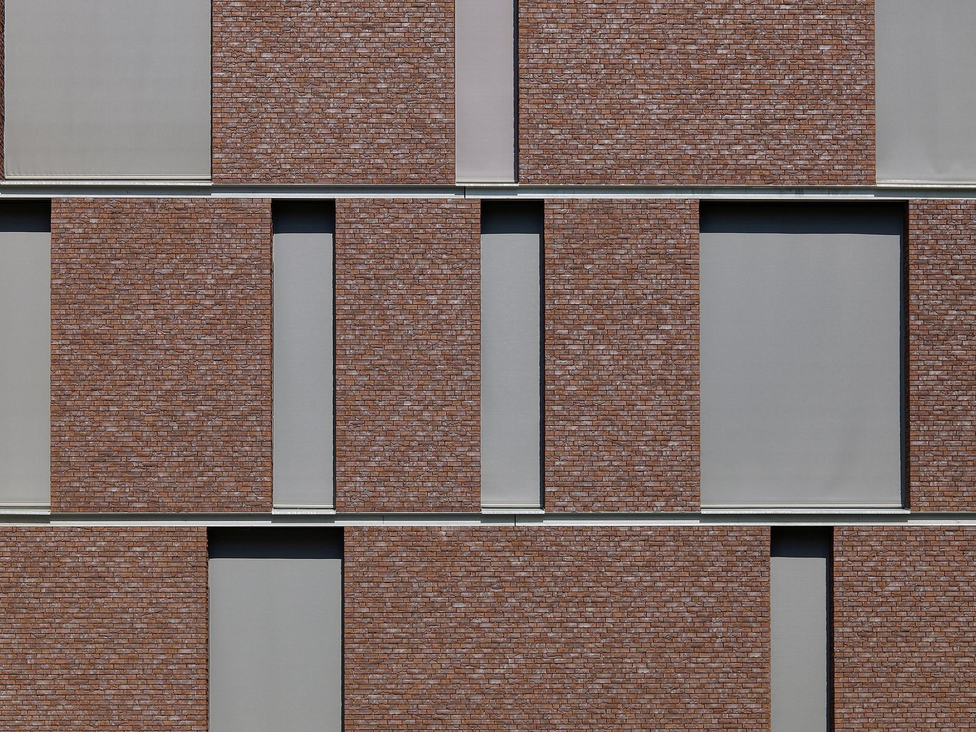 Afbeelding: Fotografie van gevelstenen voor steenfabriek Desta.