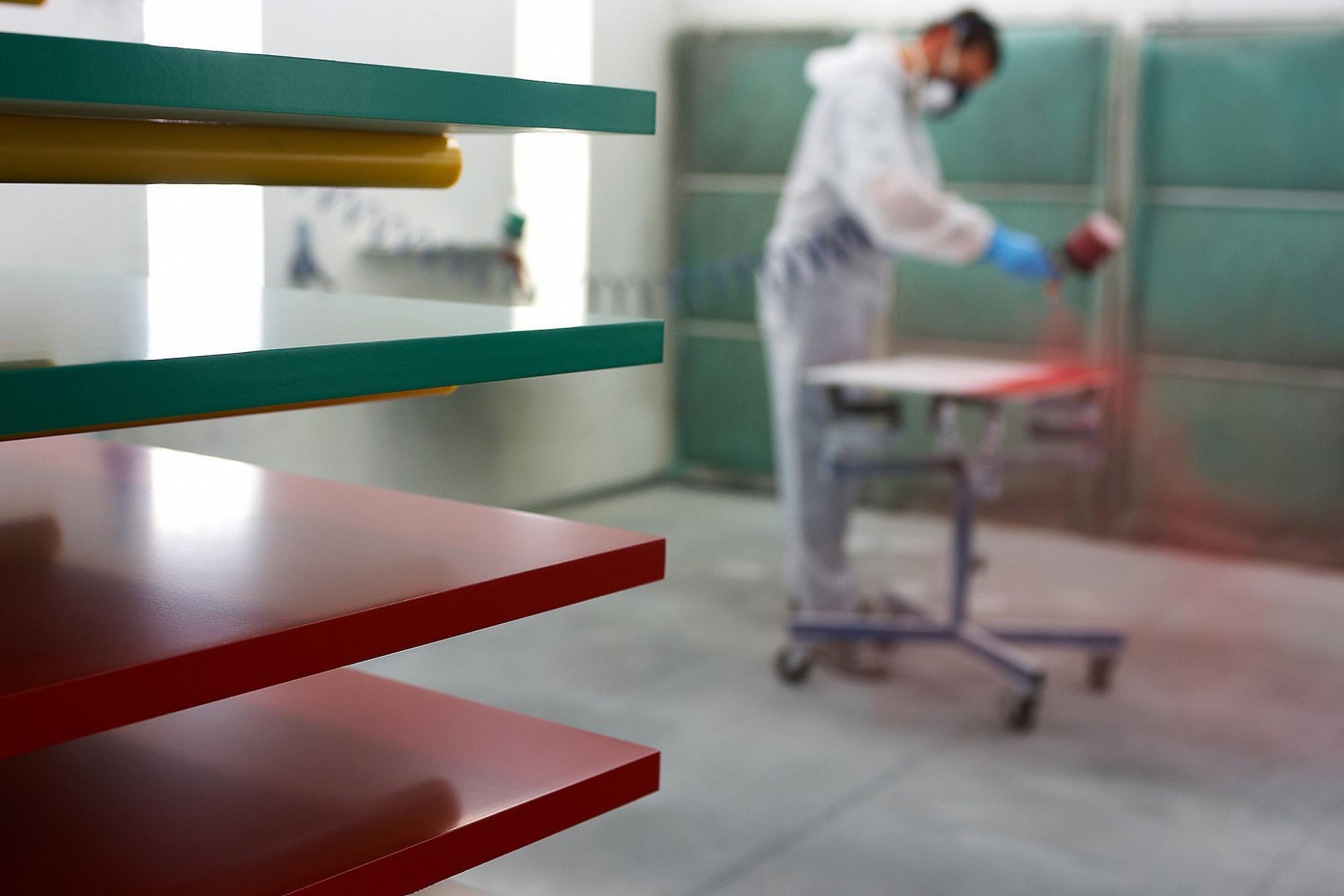 Afbeelding: Bedrijfsreportage fotografie voor Vanhout.pro, spuit atelier.