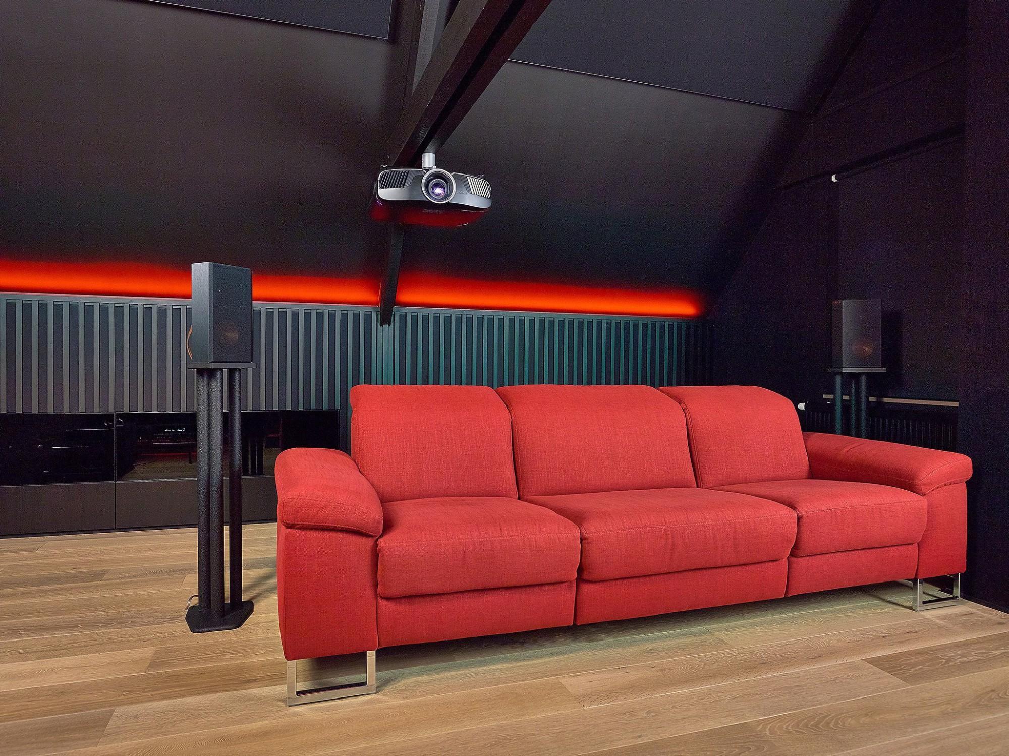 Afbeelding: Fotografie interieur van een home cinema te Izegem voor © Cinedream.