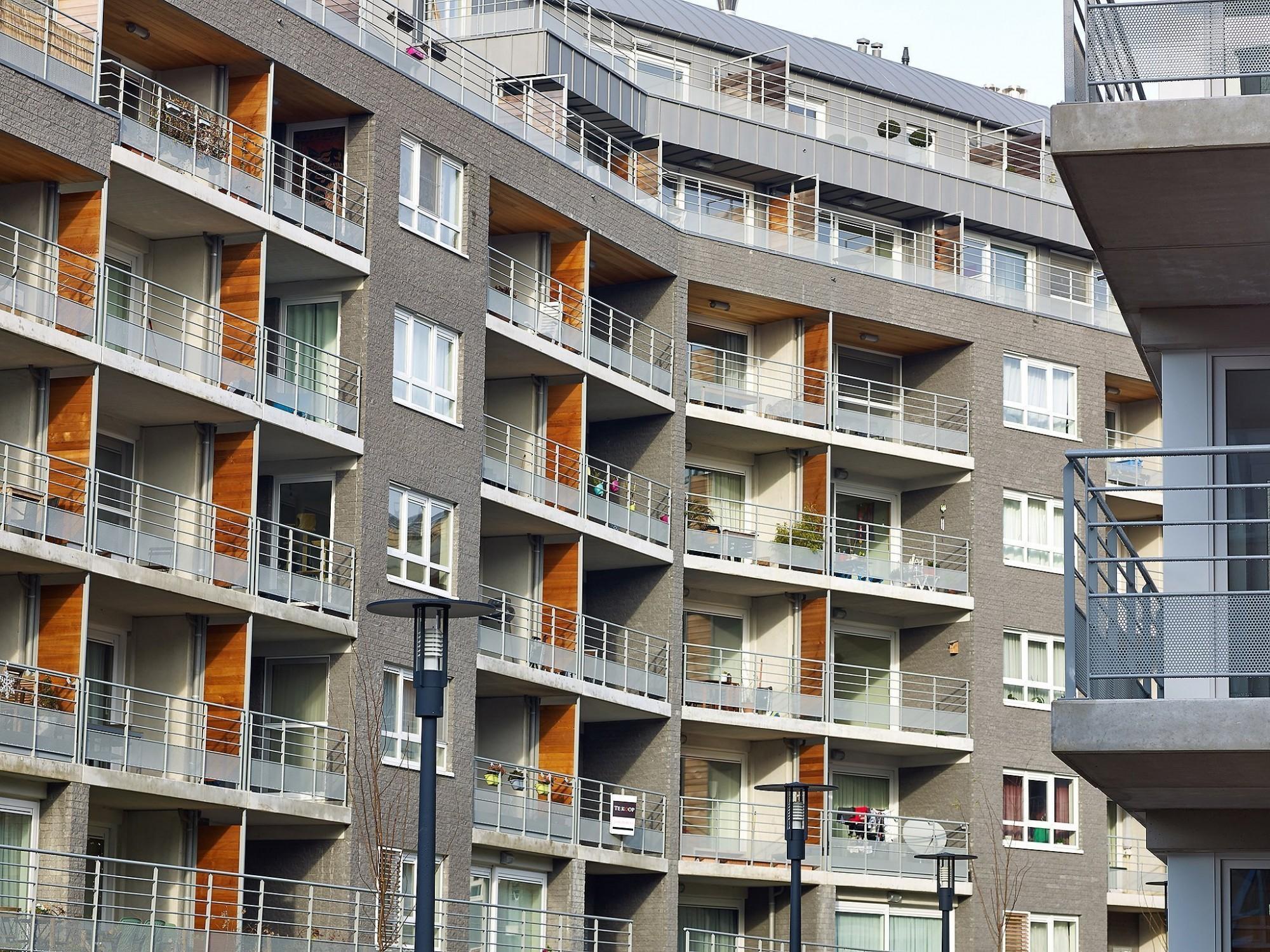 Afbeelding: Architectuur fotografie, appartementen, Foto Van Huffel, Jette, gebruik van prefabbeton, voor Architon - groep Van Roey.