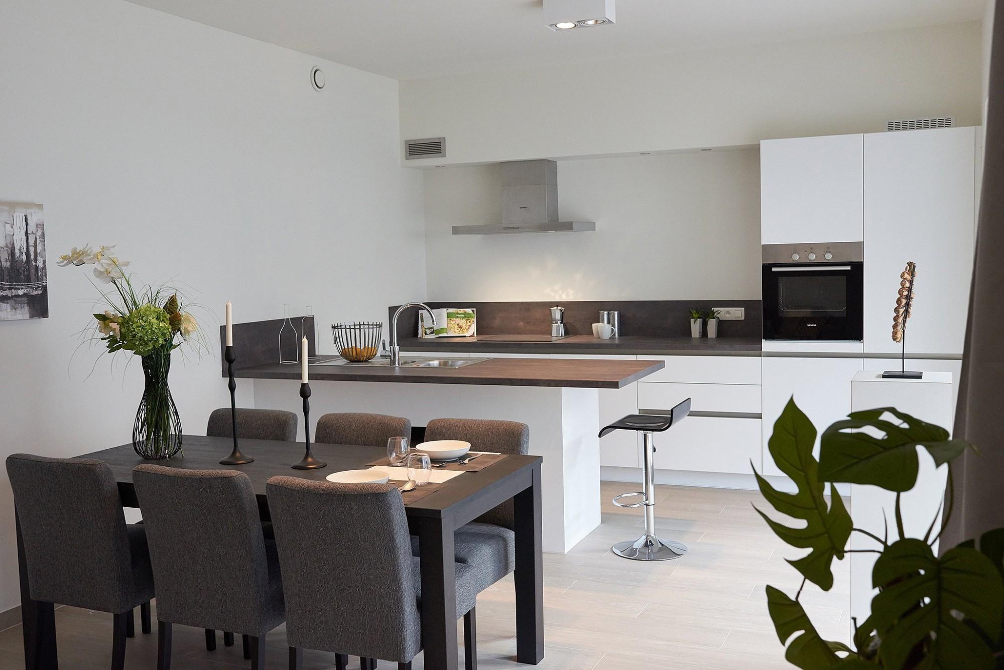 Afbeelding: Fotografie keuken modern in modelappartement te Kallo voor DCA,  fotografie keukens Foto Van Huffel.