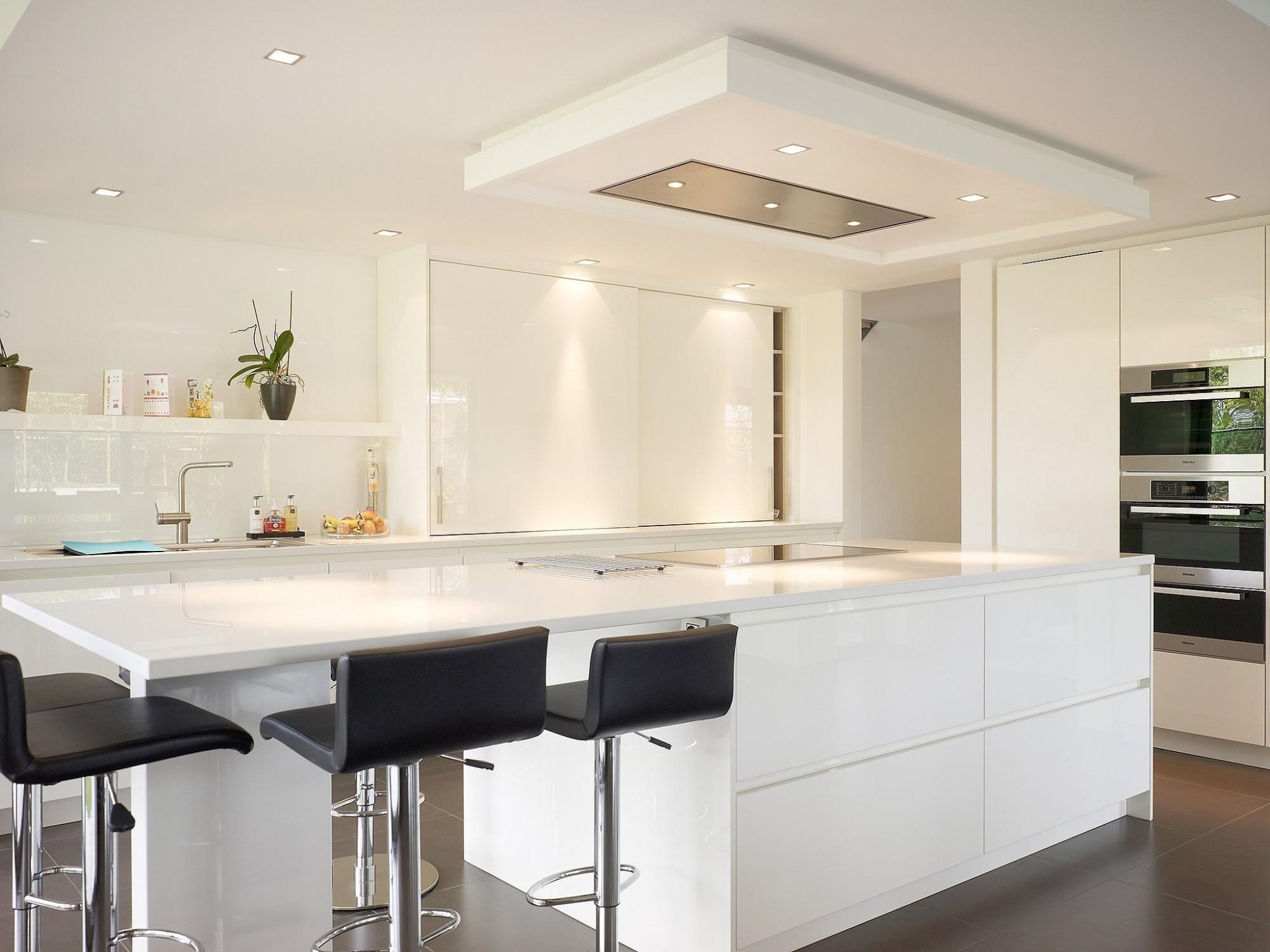 Interieur keuken zwart wit communicatie