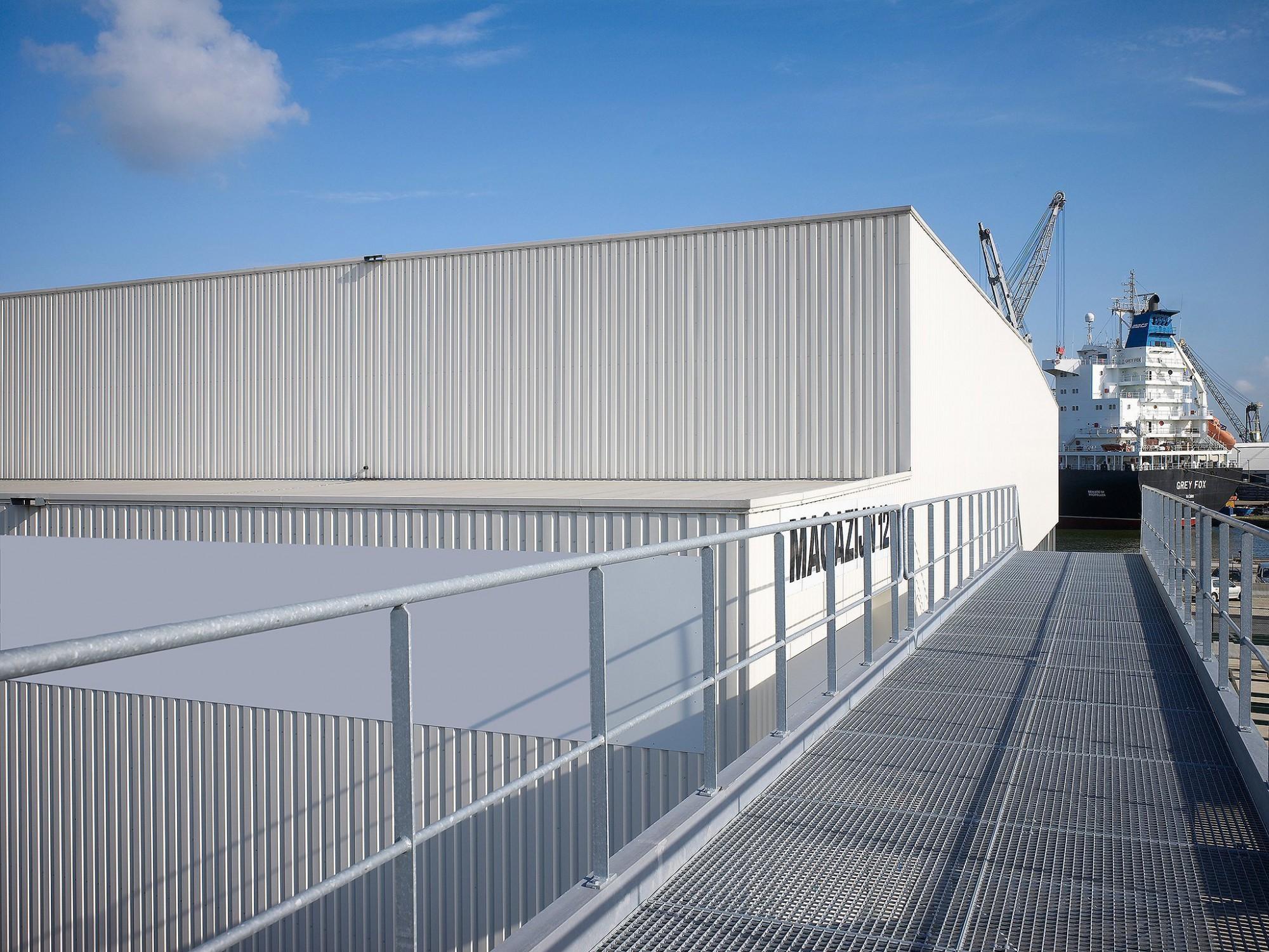 Afbeelding: Fotografie magazijn ABT haven Antwerpen, voor Bolckmans.