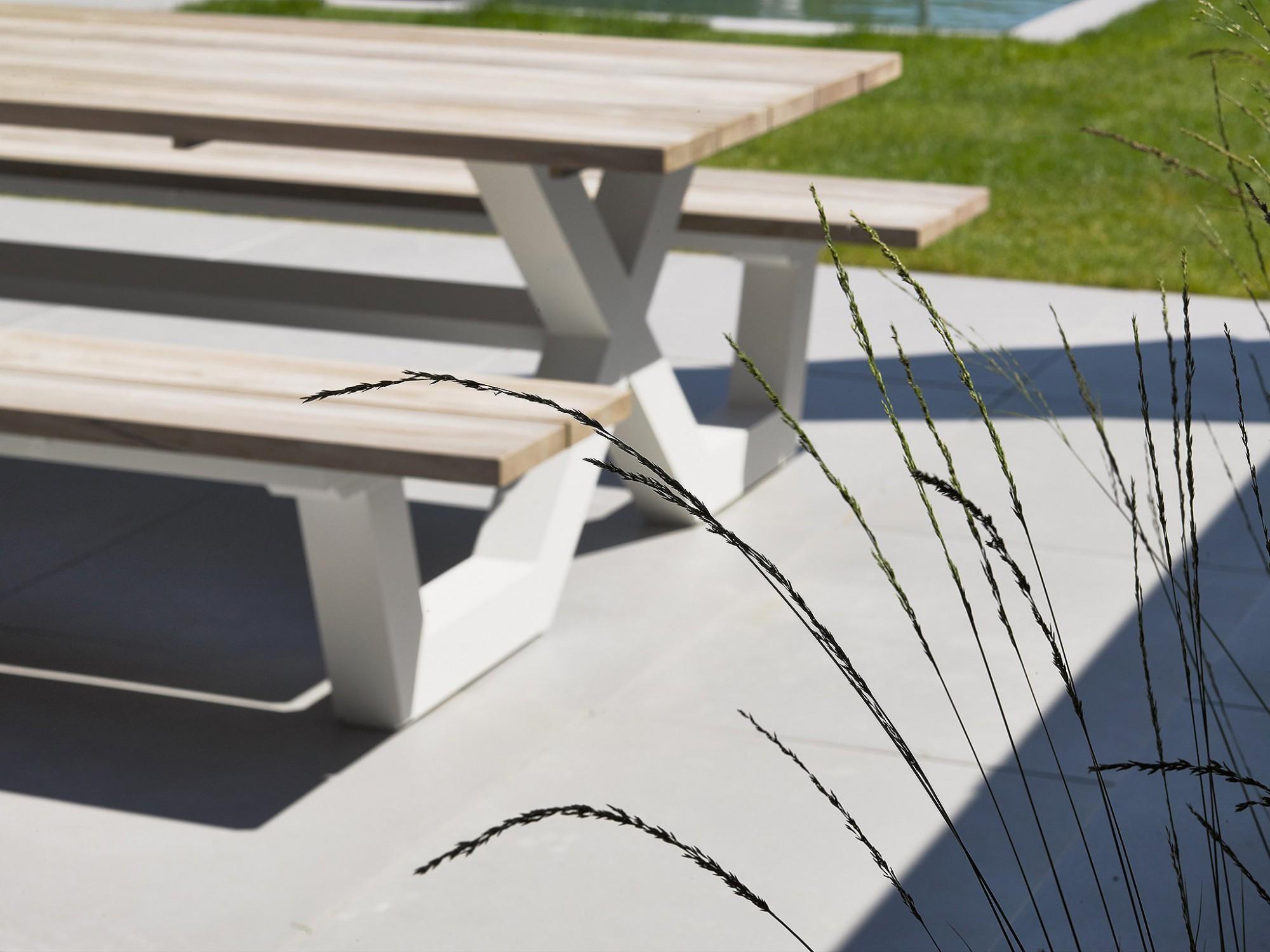 Afbeelding: Productfotografie op locatie van terrastegels voor Stone & Style.
