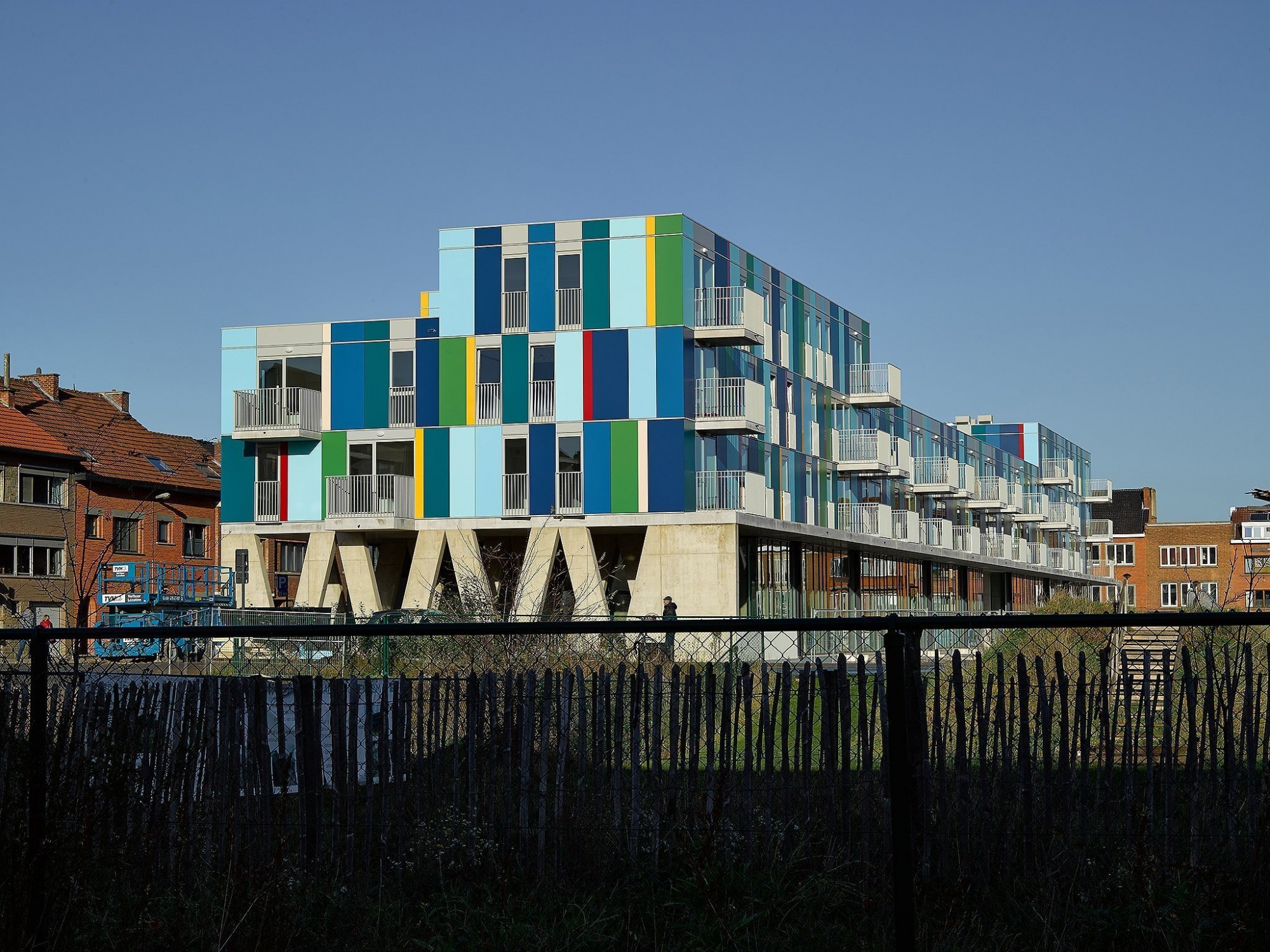 Afbeelding: Architectuur fotografie, Foto Van Huffel, appartementen en academie Kessel-Lo, voor © atelier M Architects + Planners.