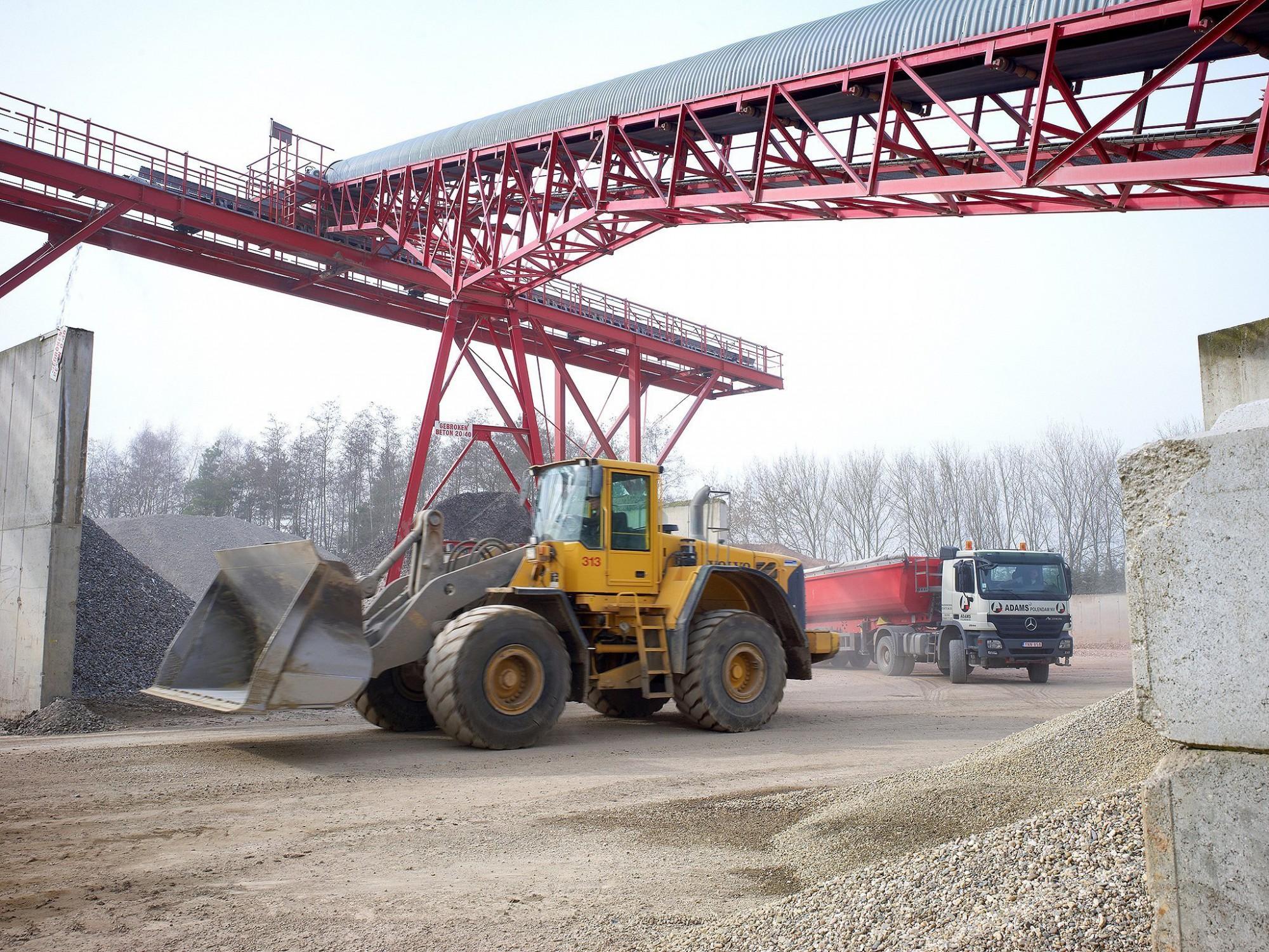 Afbeelding: Industriële reportage voor Adams Polendam, activiteiten op werkvloer Polendam Beerse.