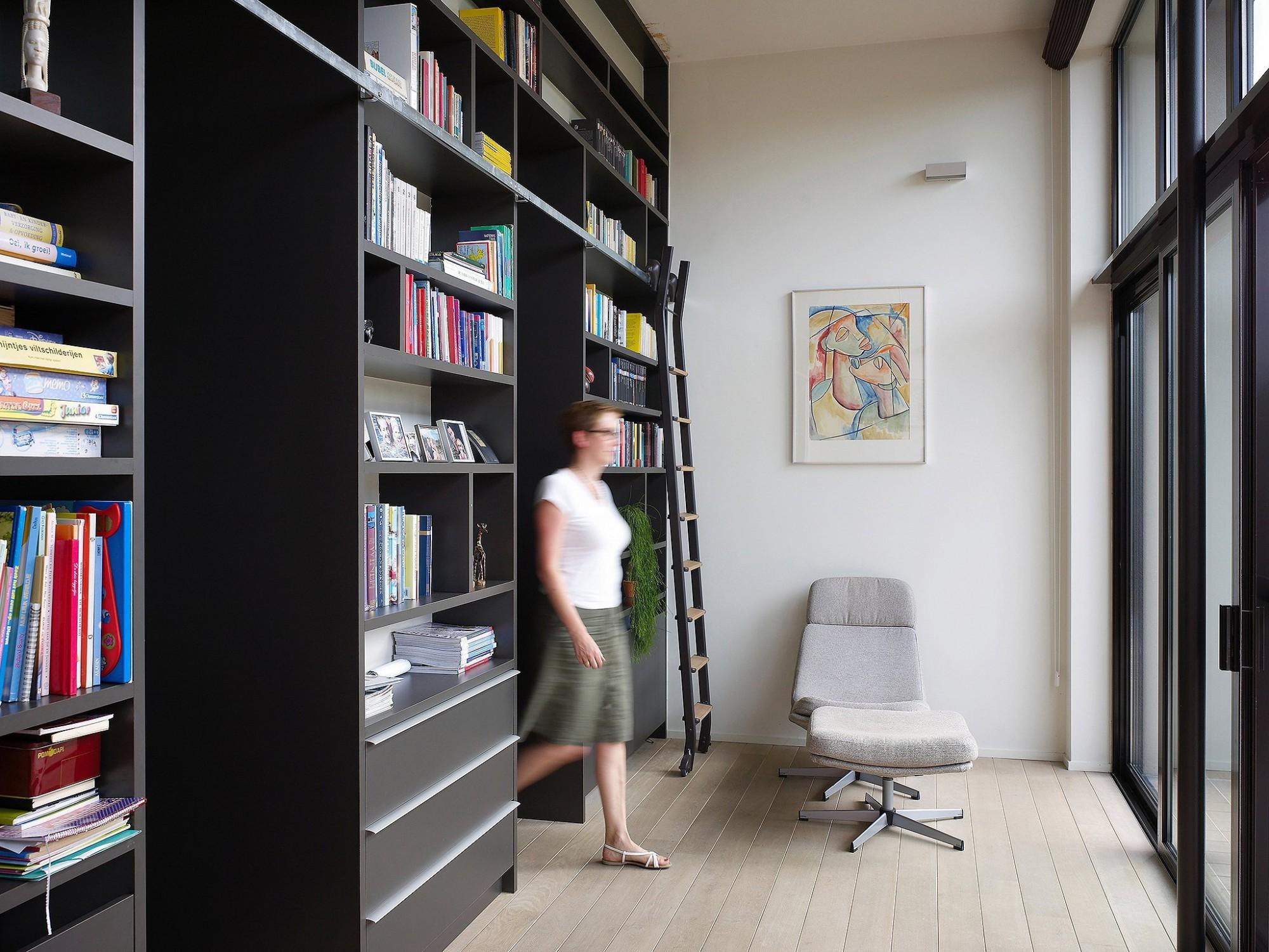 Afbeelding: Fotografie interieur inbouwkasten te Wilsele voor © BVV architecten, interieurfotograaf Foto Van Huffel.