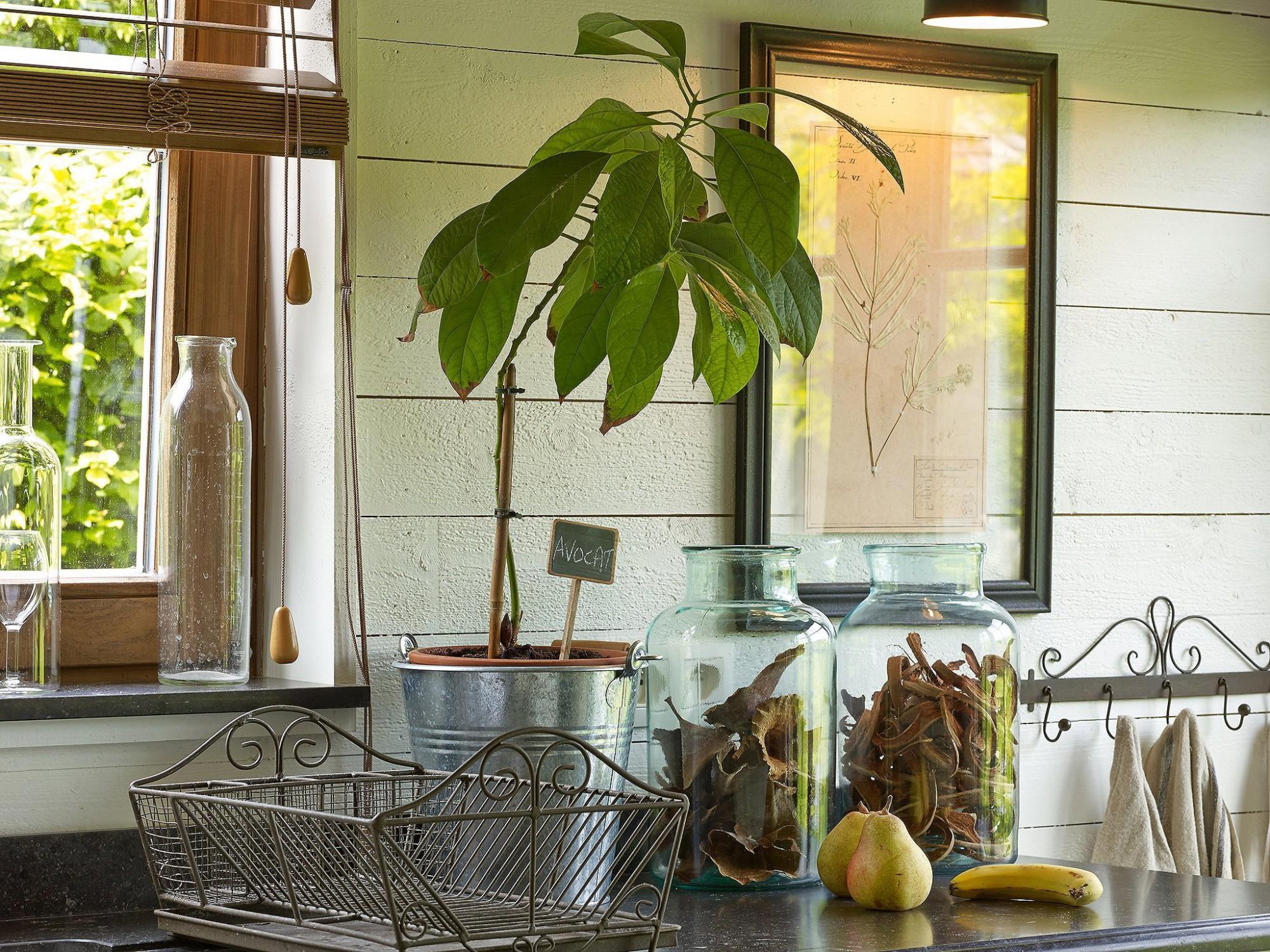 Afbeelding: Fotografie interieur sfeer keuken eiken bijgebouw te Valmont voor © Heritage Buildings, fotografie keukens Foto Van Huffel.
