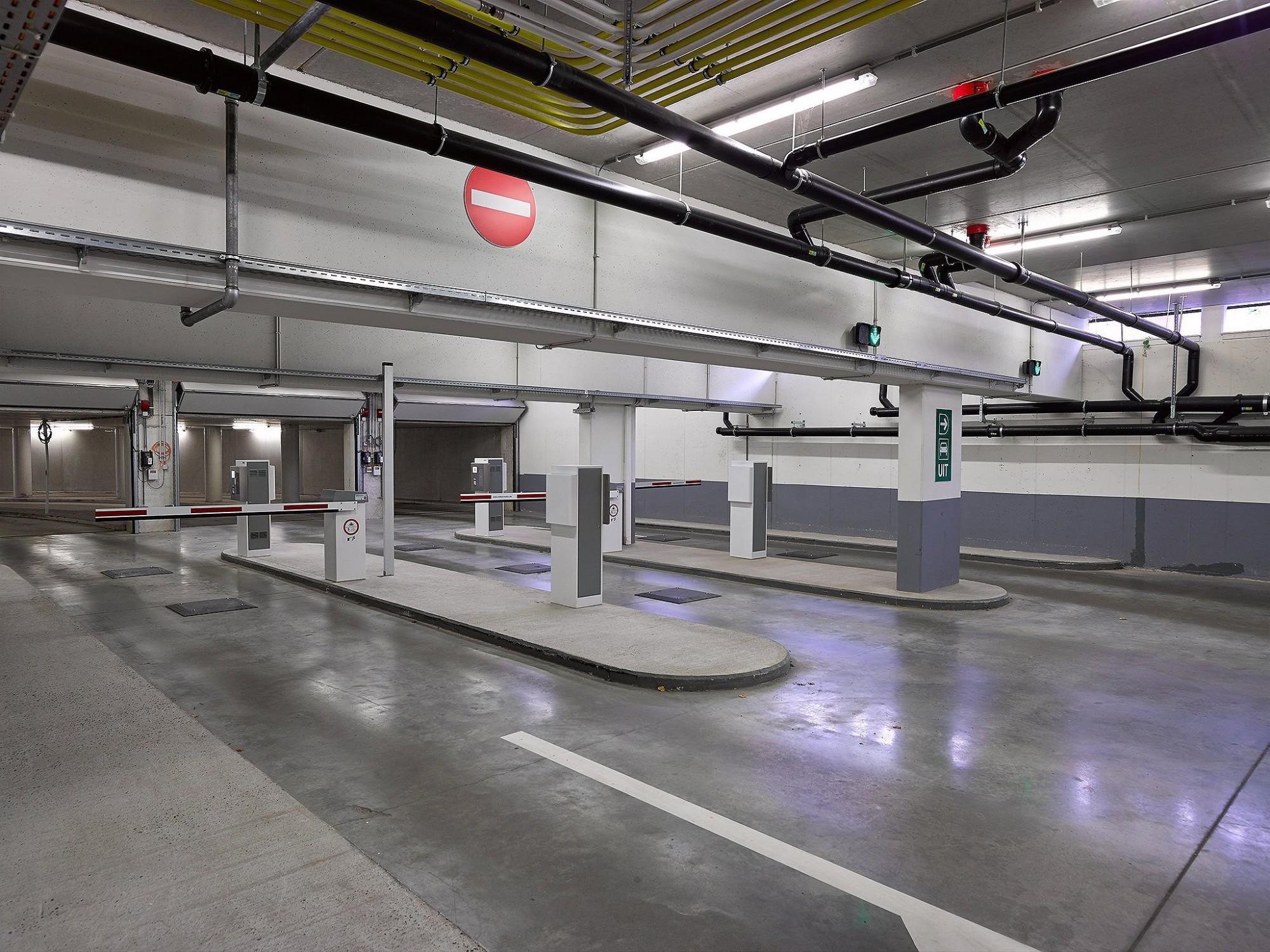 Afbeelding: Interieur fotografie parking en infrastructuur te Geel, foto Van Huffel.