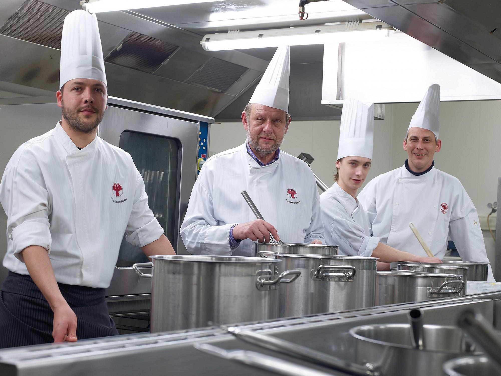 Afbeelding: Bedrijfs reportage voor Vandersmissen feestservice, de koks in de keuken.