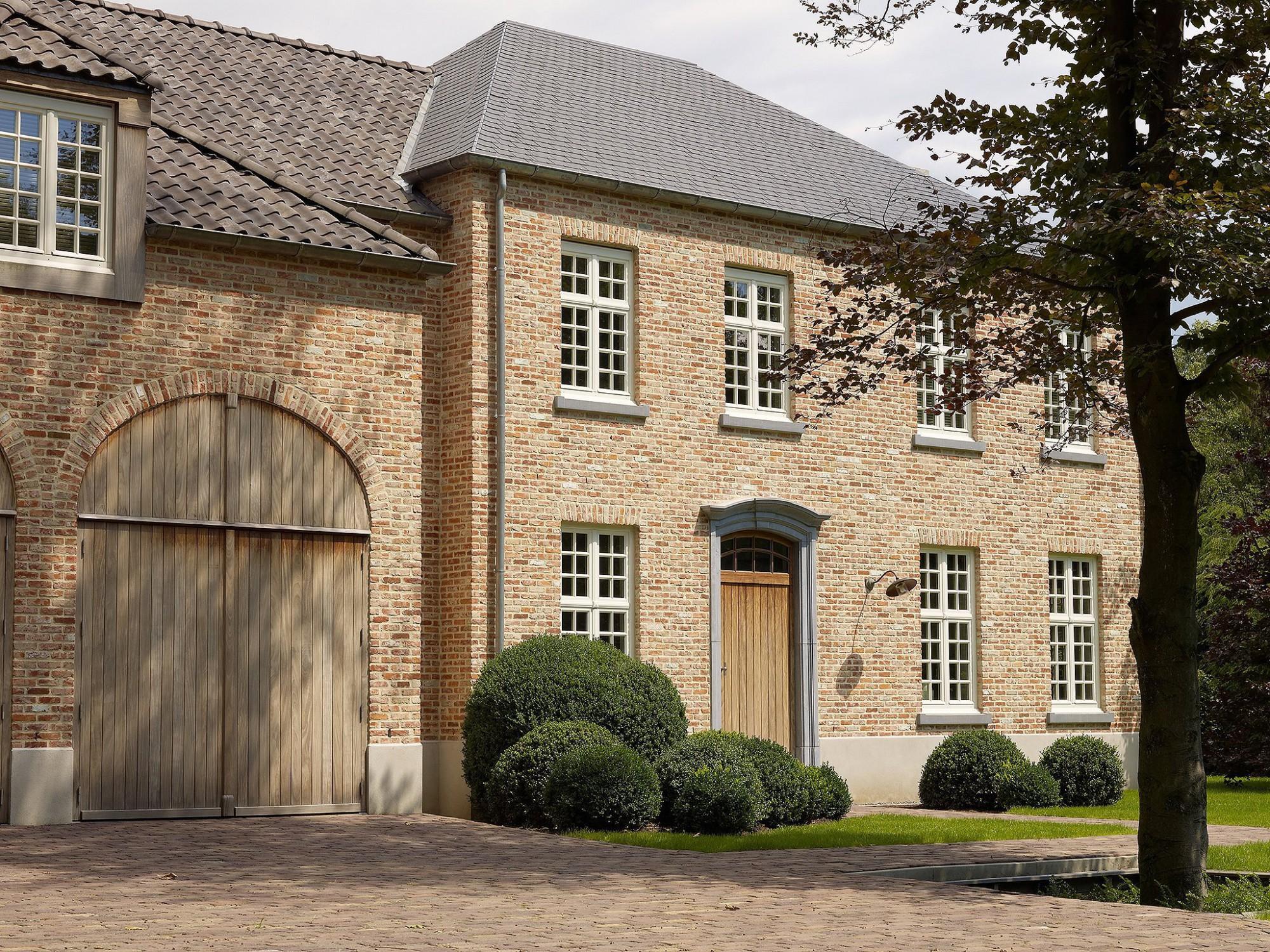 Afbeelding: Architectuur fotografie woningen Foto Van Huffel, klassieke woning, voor bouwonderneming RDK