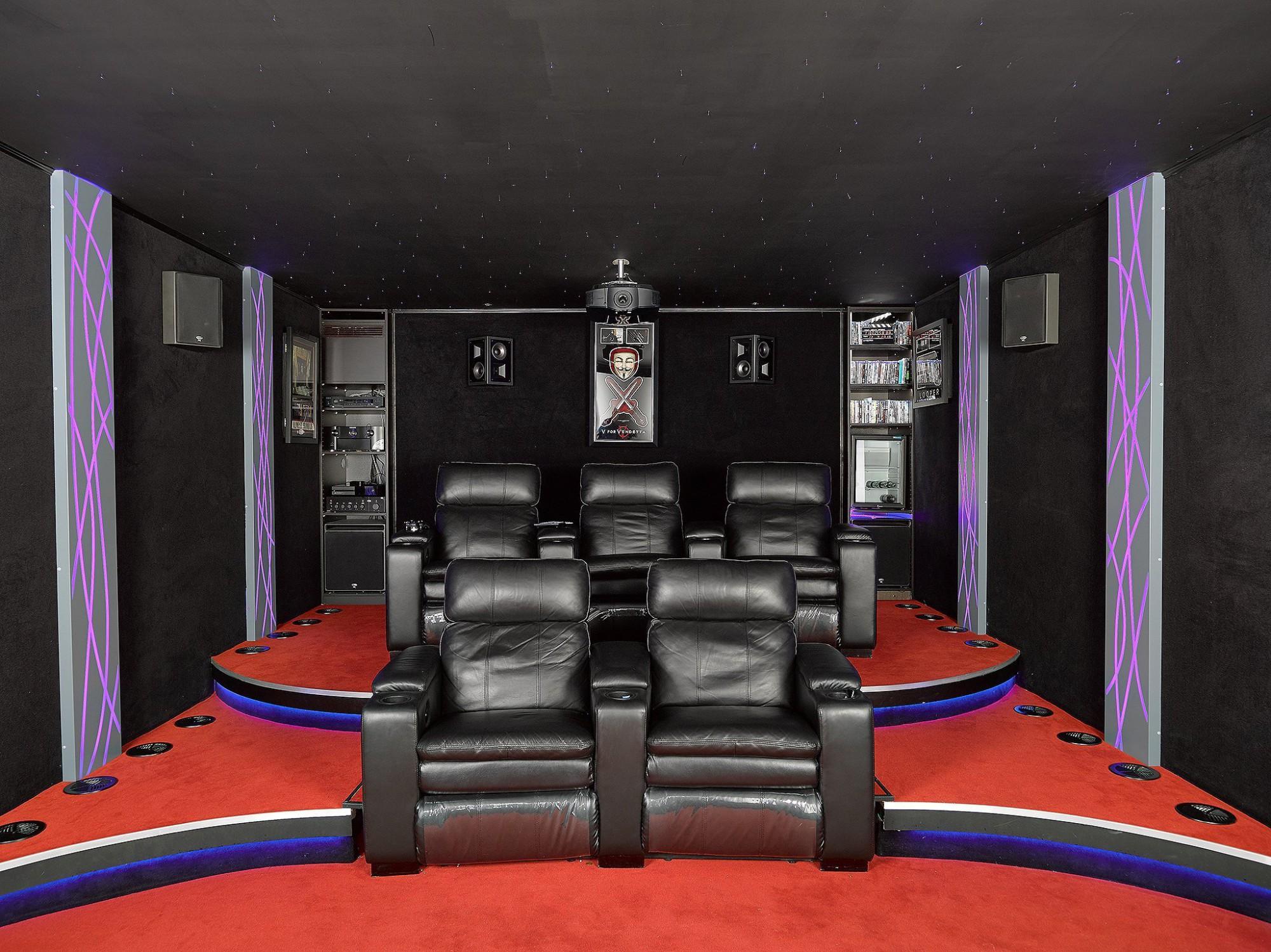 Afbeelding: Fotografie interieur van een home cinema te Grimbergen voor © Cinedream, interieurfotograaf Foto Van Huffel.