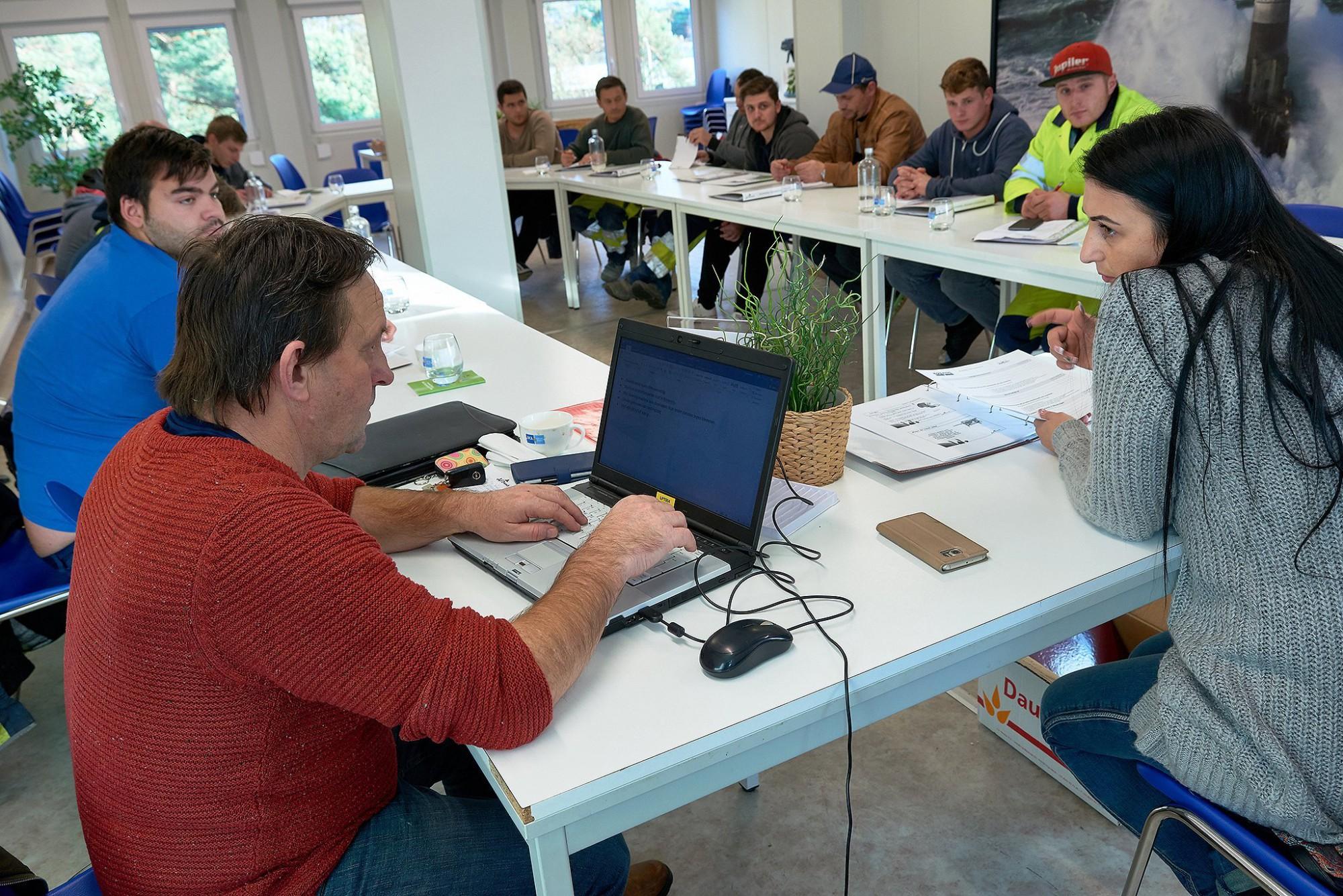 Afbeelding: Bedrijfsfotografie, opleiding buitenlandse werknemers bij DCA.