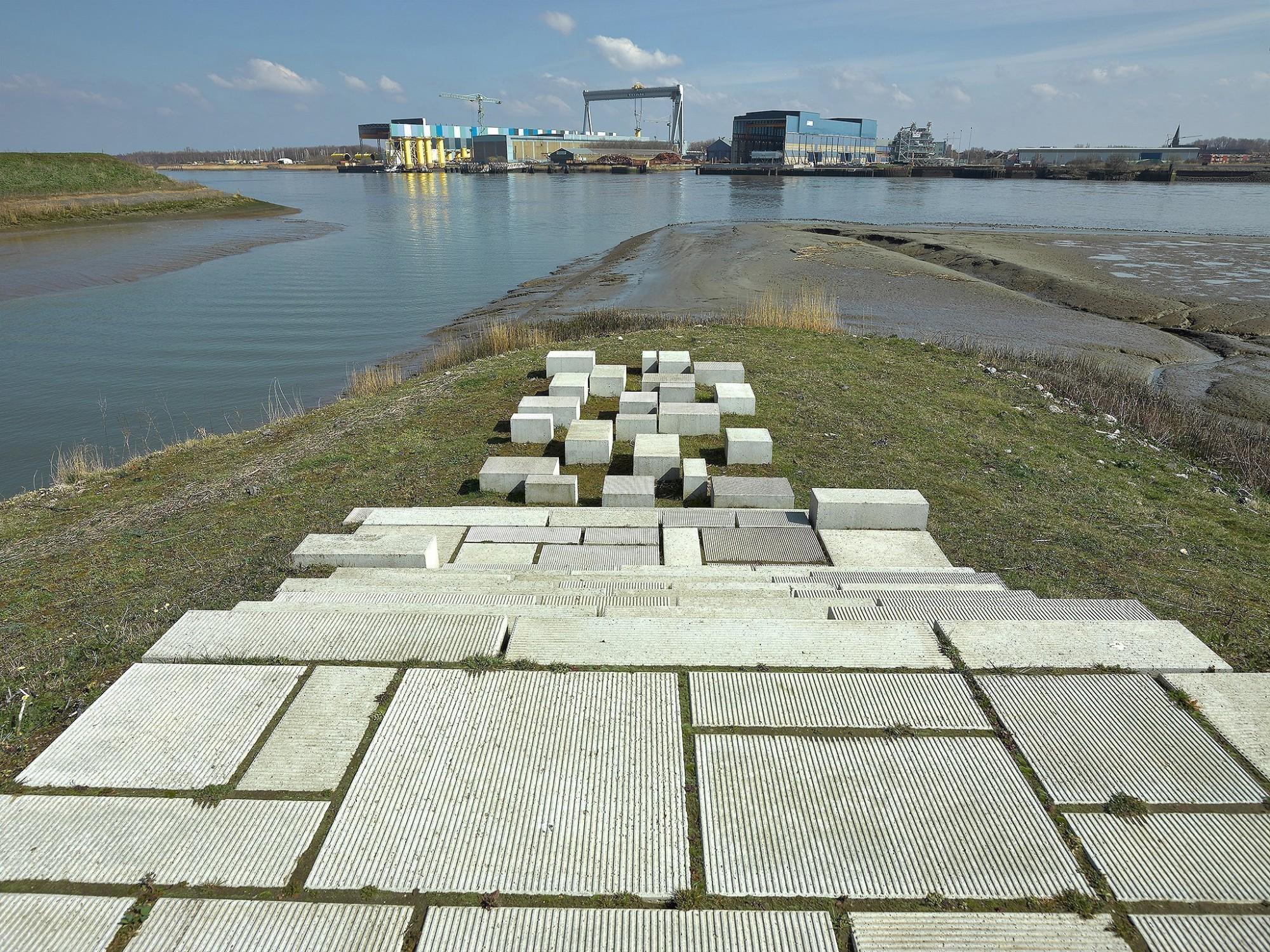Afbeelding: Product fotografie op locatie, trappen en tegels, betonproducten voor infrastructuurwerken voor Ebema.