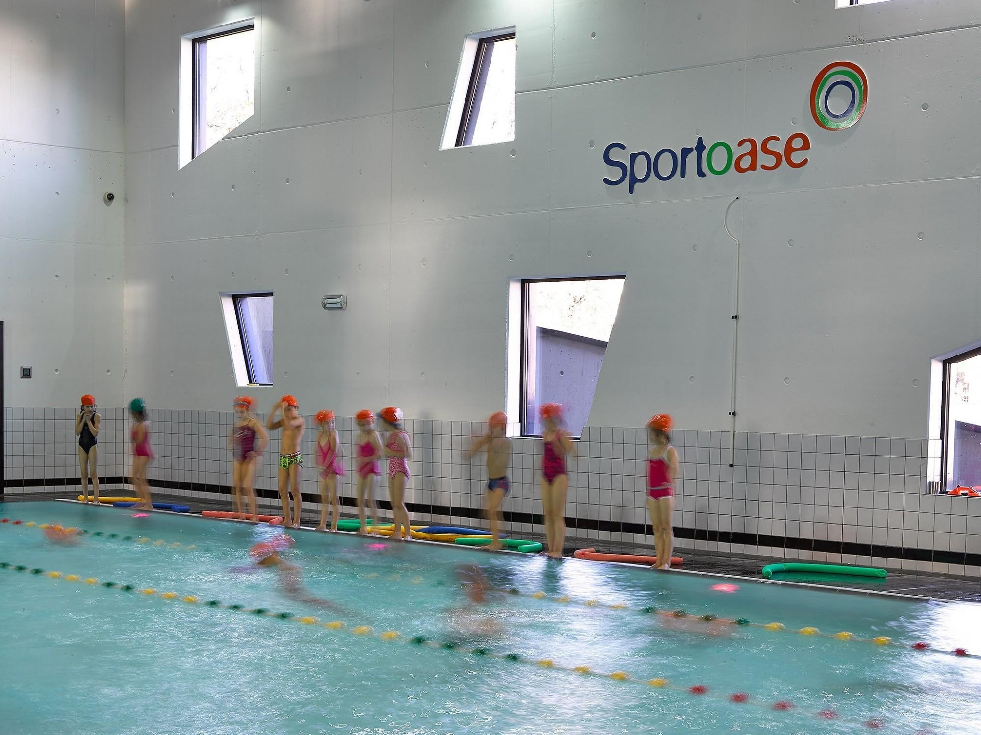 Afbeelding: Interieur fotografie zwembad Sportoase te Beringen, voor Sportoase.